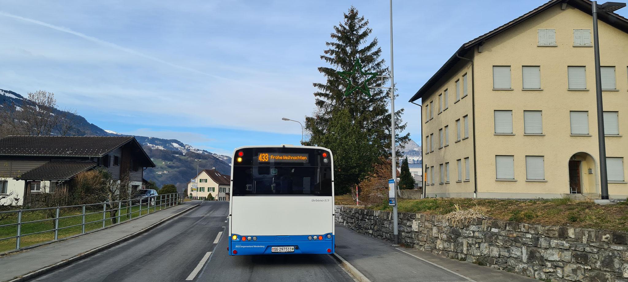 Schöne Weihnachten wünschen wir Dir, lieber Bus!