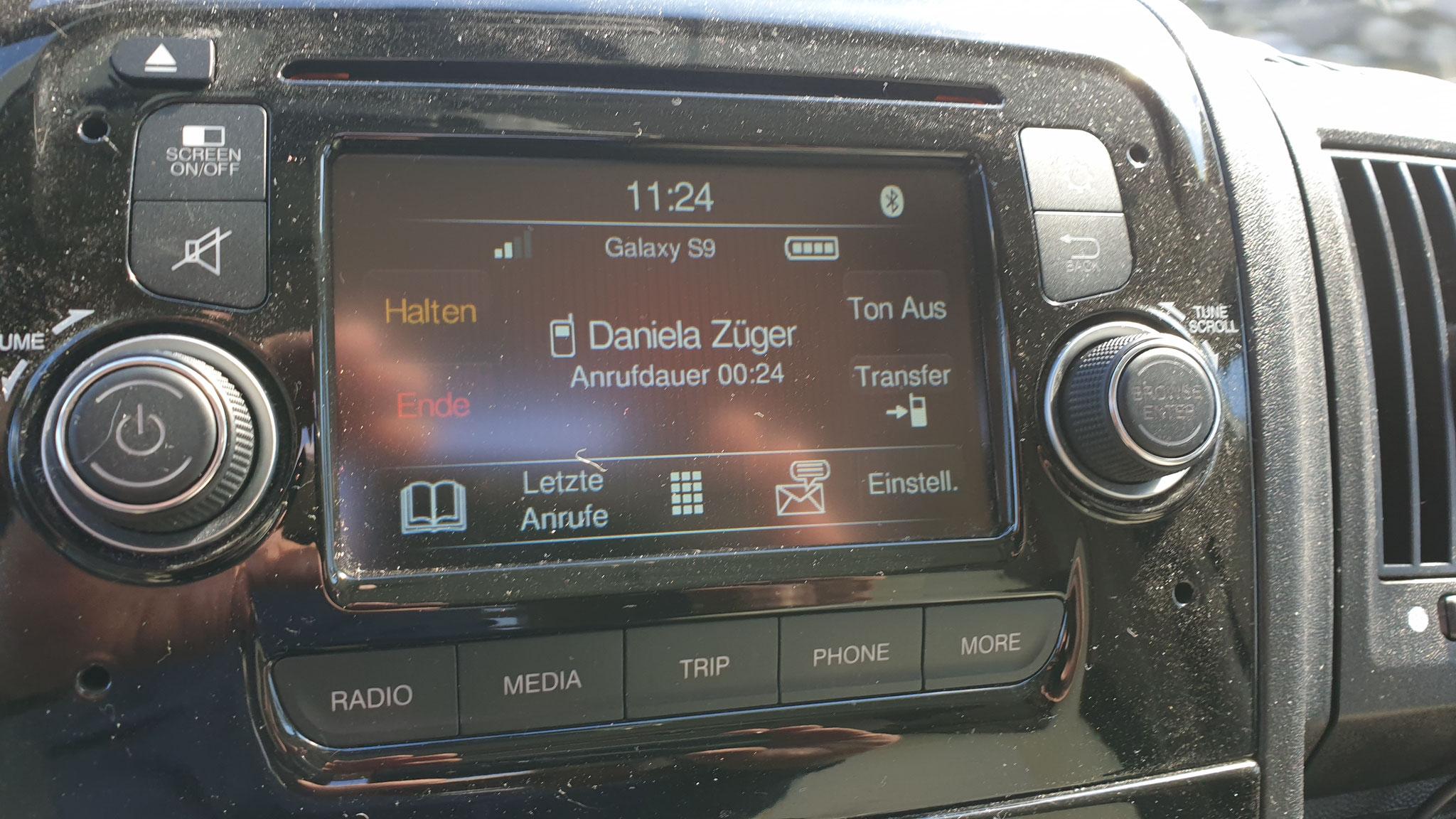 Ein Anruf von Daniela ... wo bleibt ihr drei Jungs?