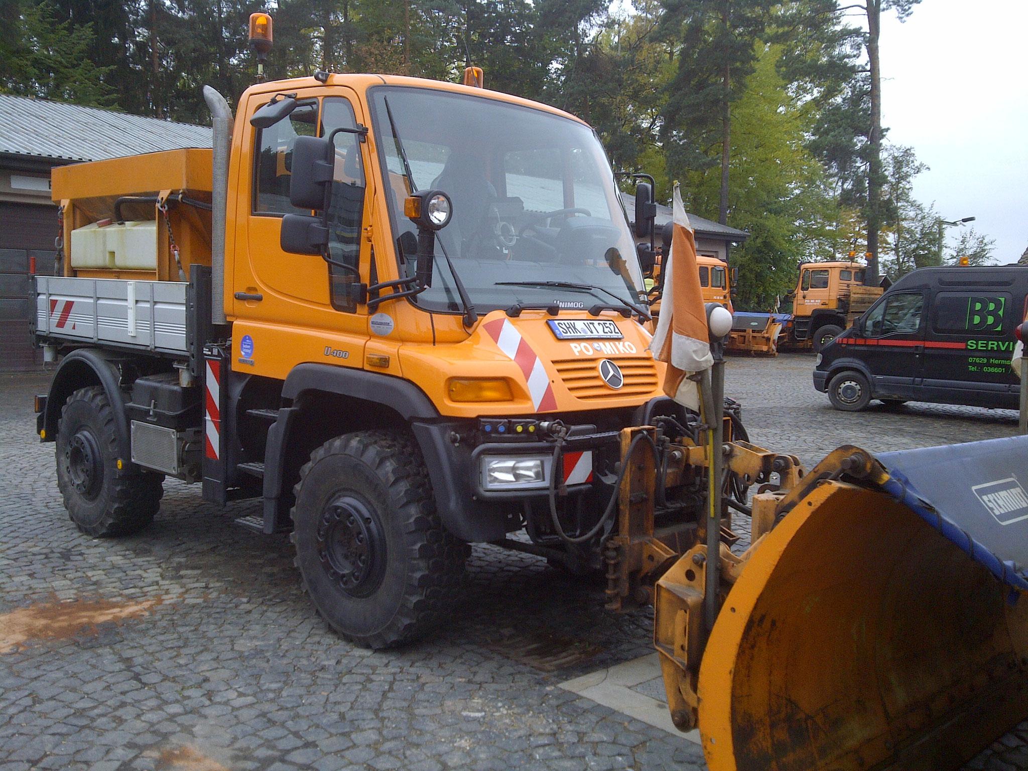 Unimog U400 für Gemeindestraßen und Betriebshöfe