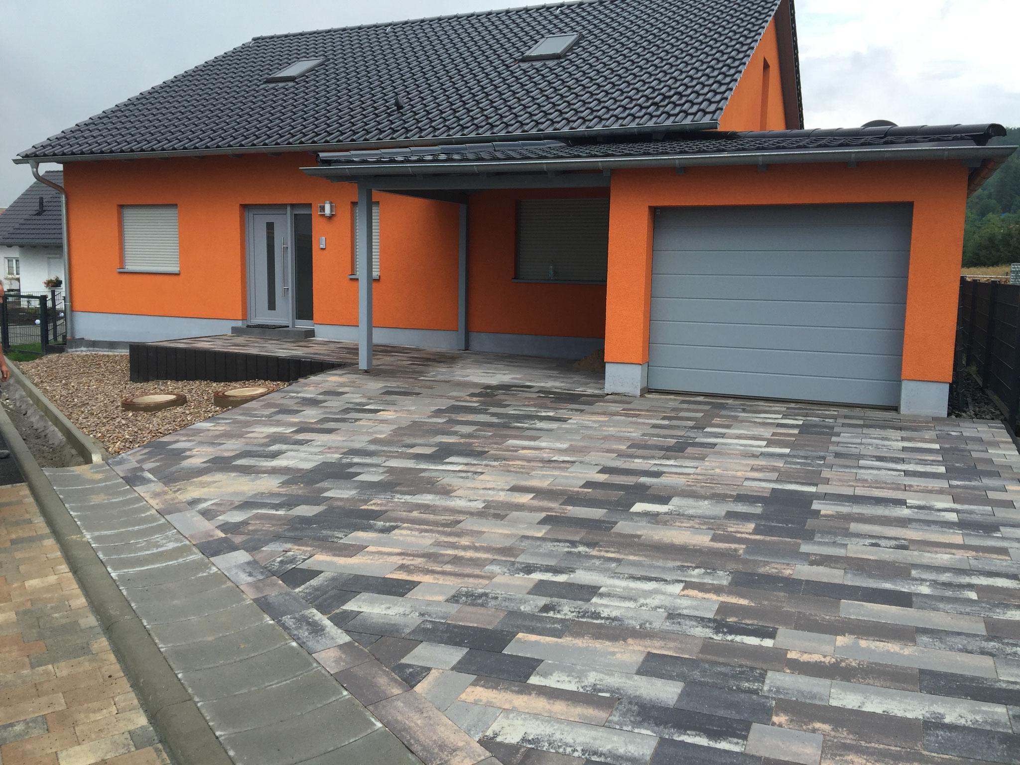 Gestaltung Außenanlagen mit Betonpflaster RINN Padio 20