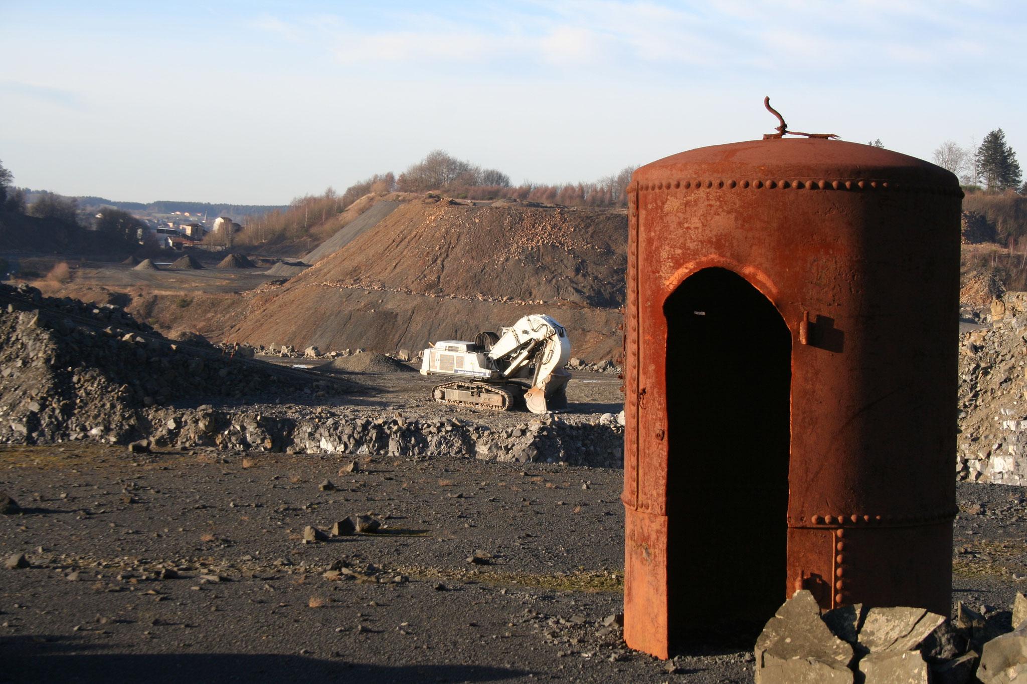 Steinbruch Stockum - Schutzbunker bei Sprengungen