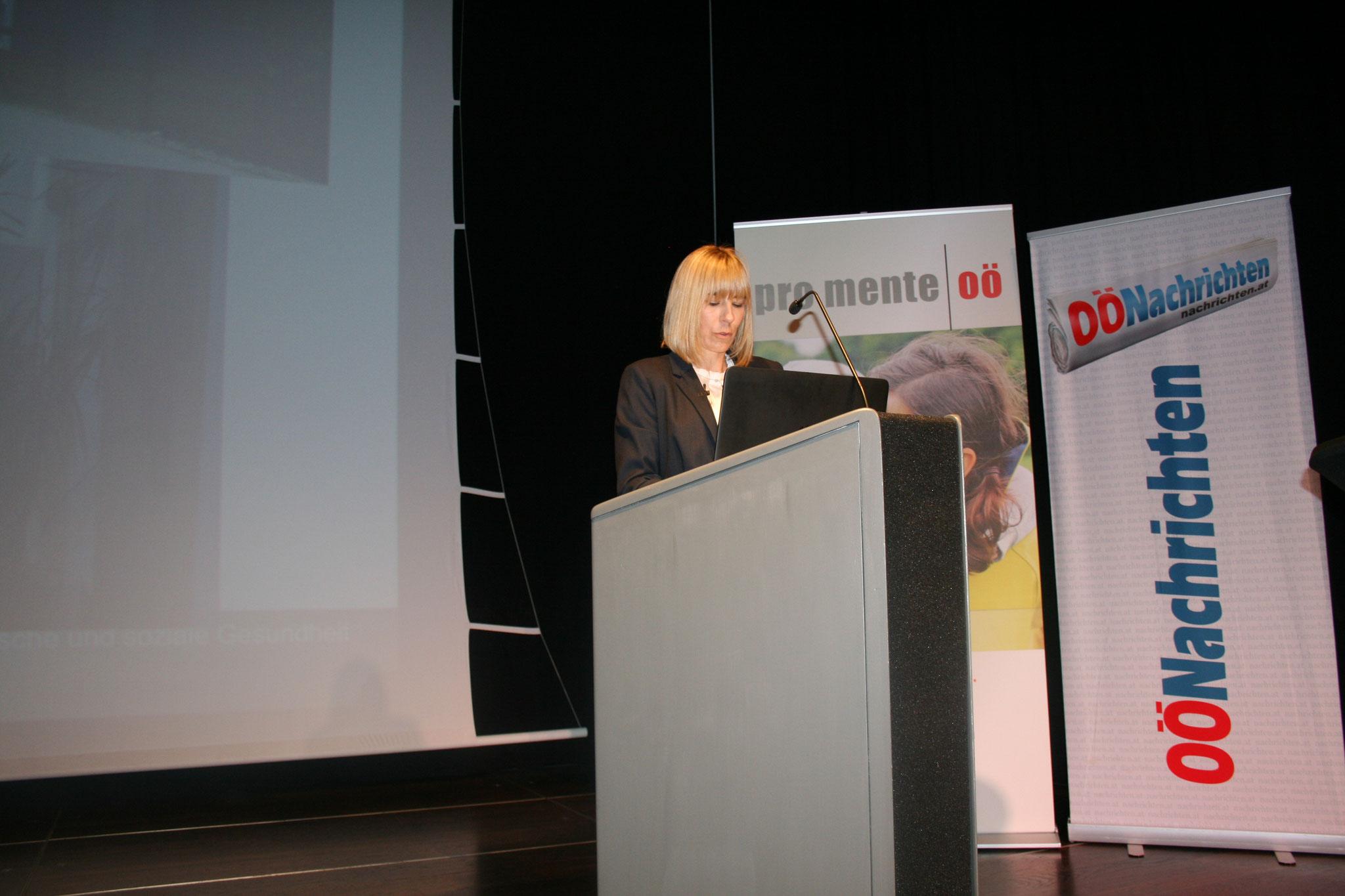 Bettina Neumayer