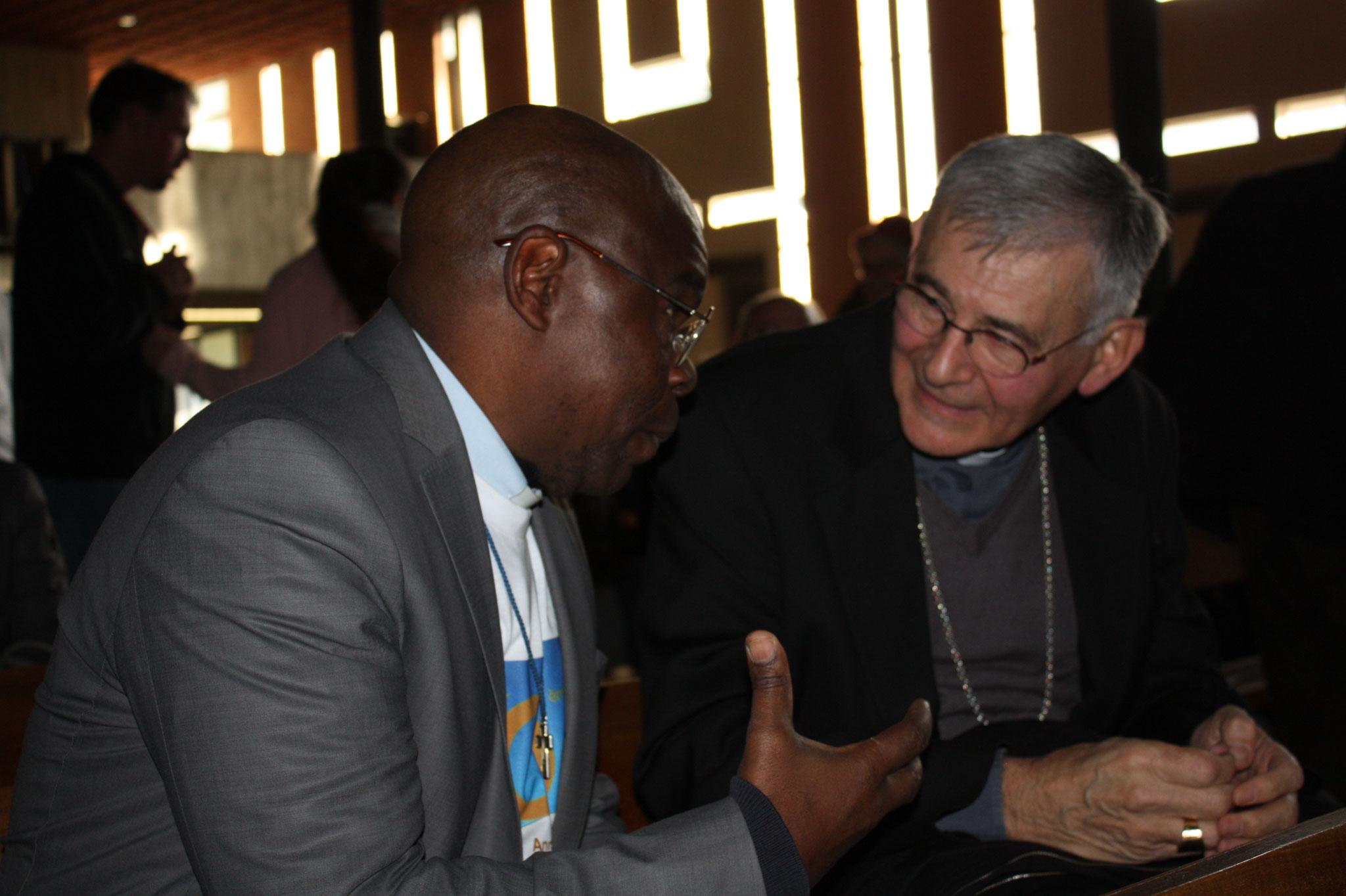 P. Gilbert Mayela et Mgr Pascal Rolland - (c) JDR