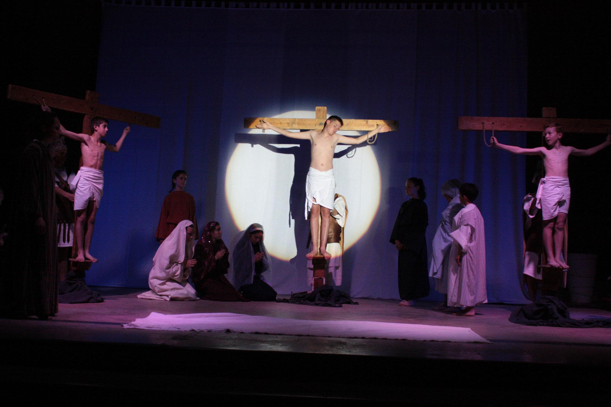 La mort en croix - photo JDR