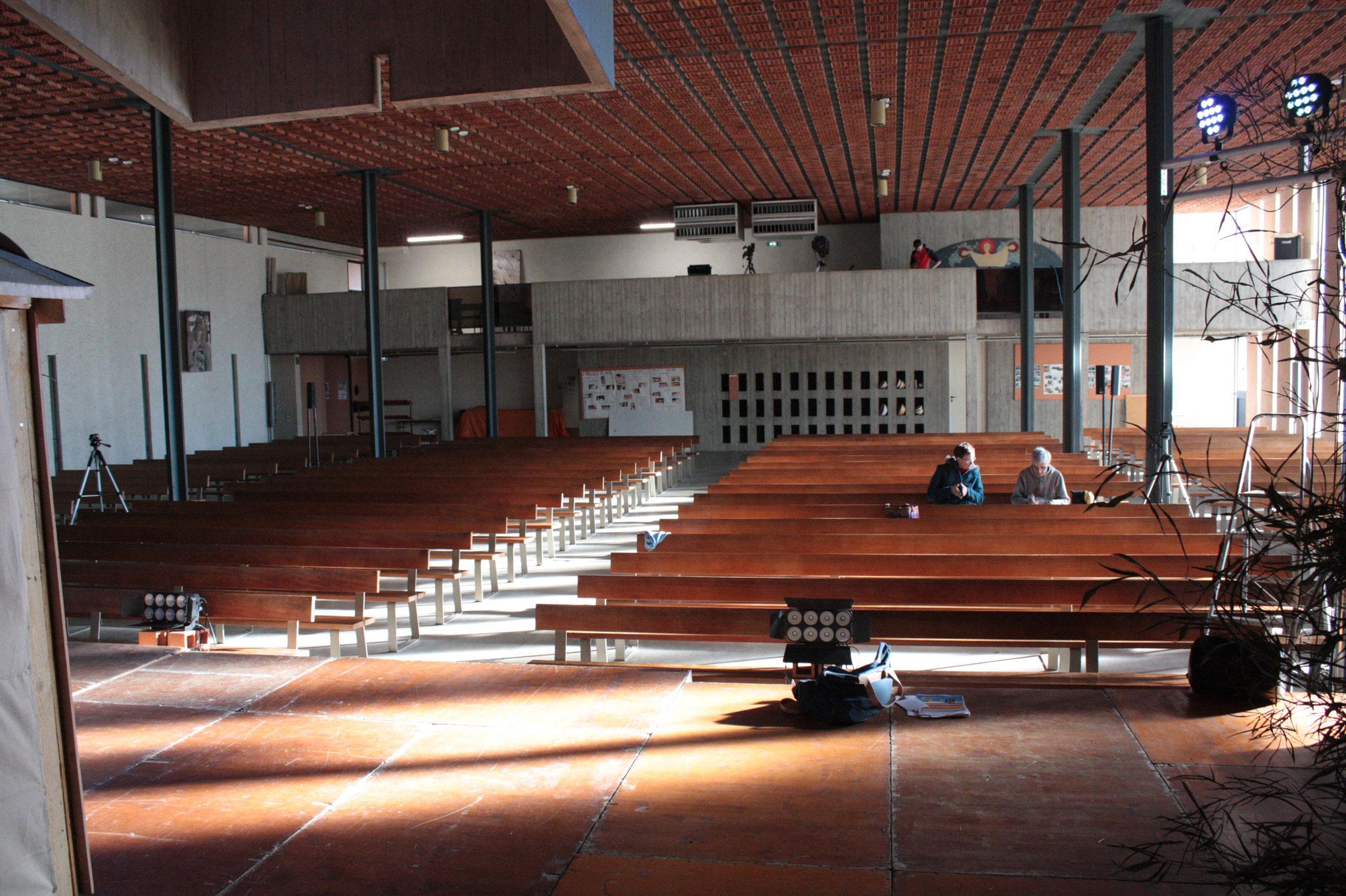 Intérieur église - (c) JDR