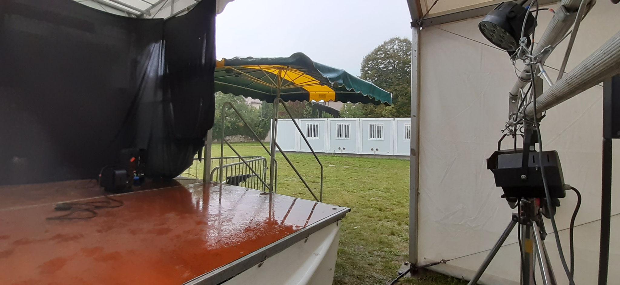 Un parasol pour se protéger... (c) JDR
