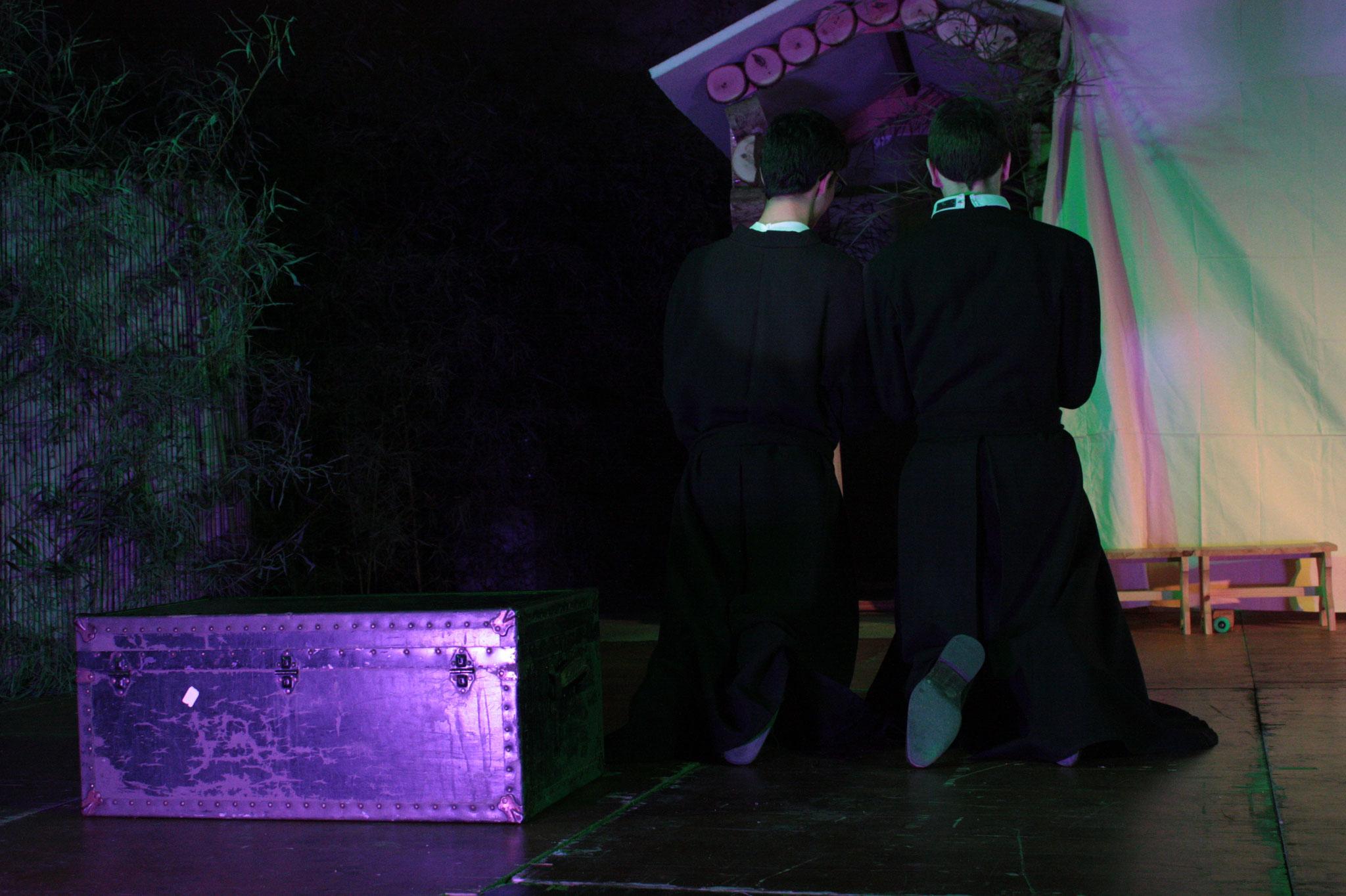 Pierre Chanel et son collègue en prière  - (c) JDR