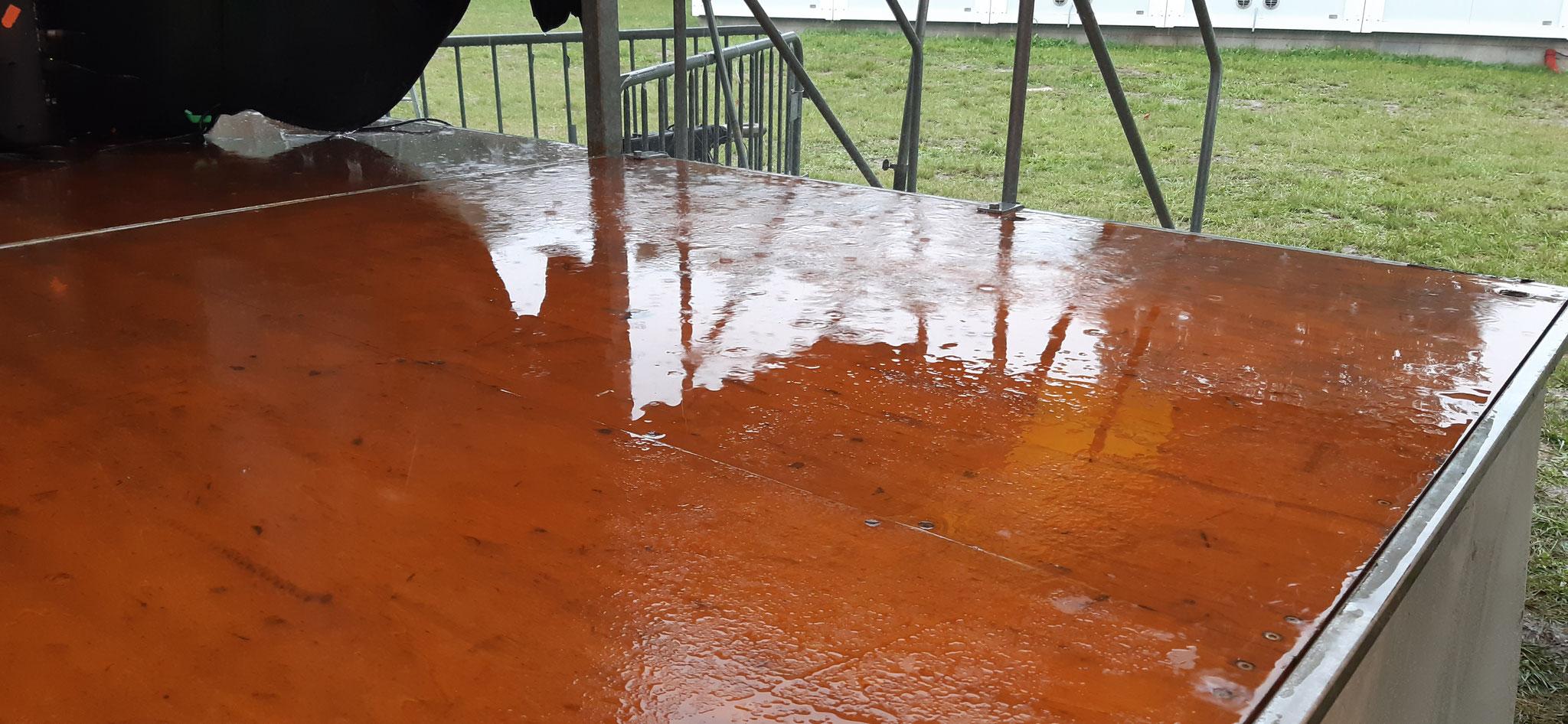 ... de la pluie (c) JDR)