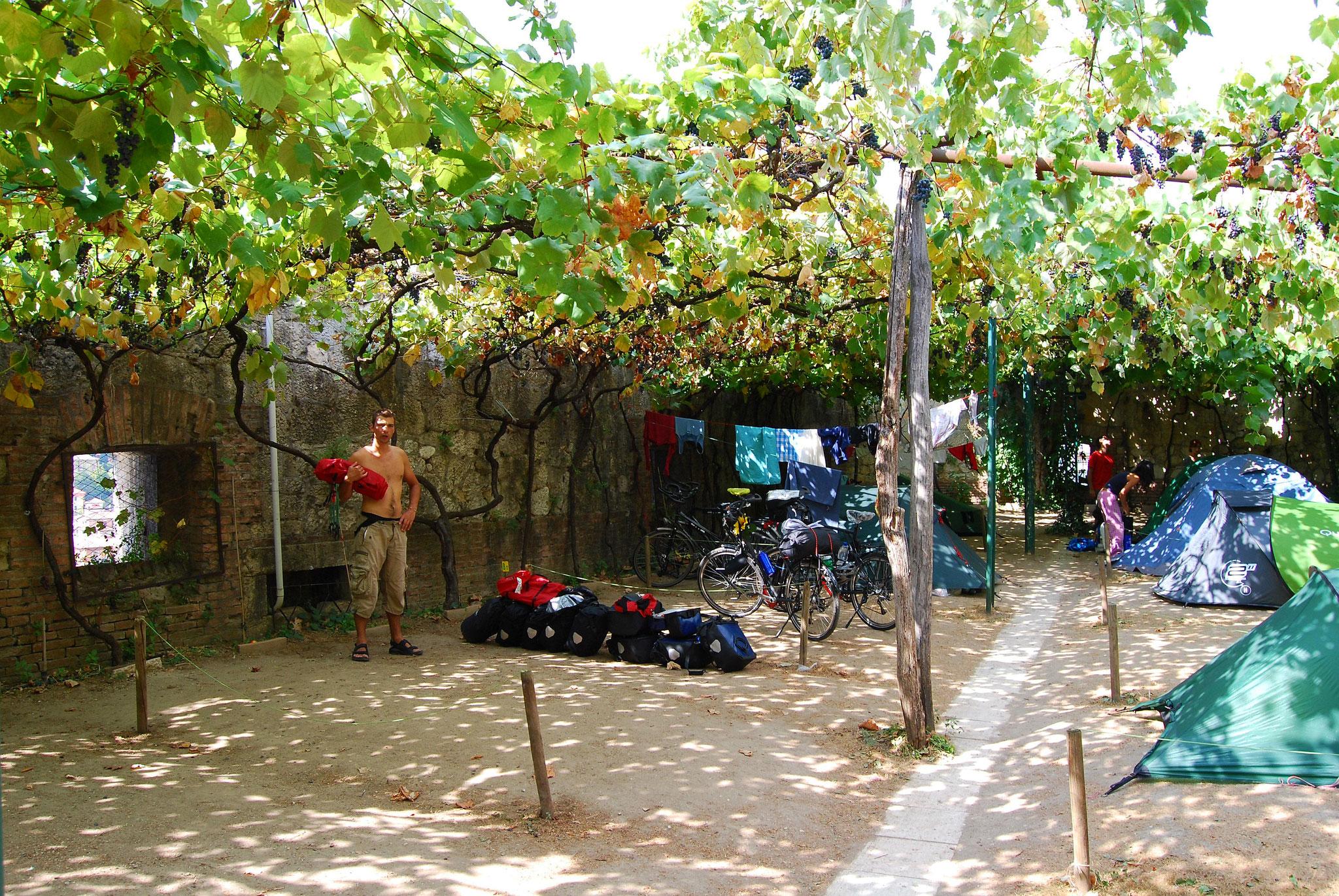 "Camping  ""Castelo San Pietro"" à Vérone"