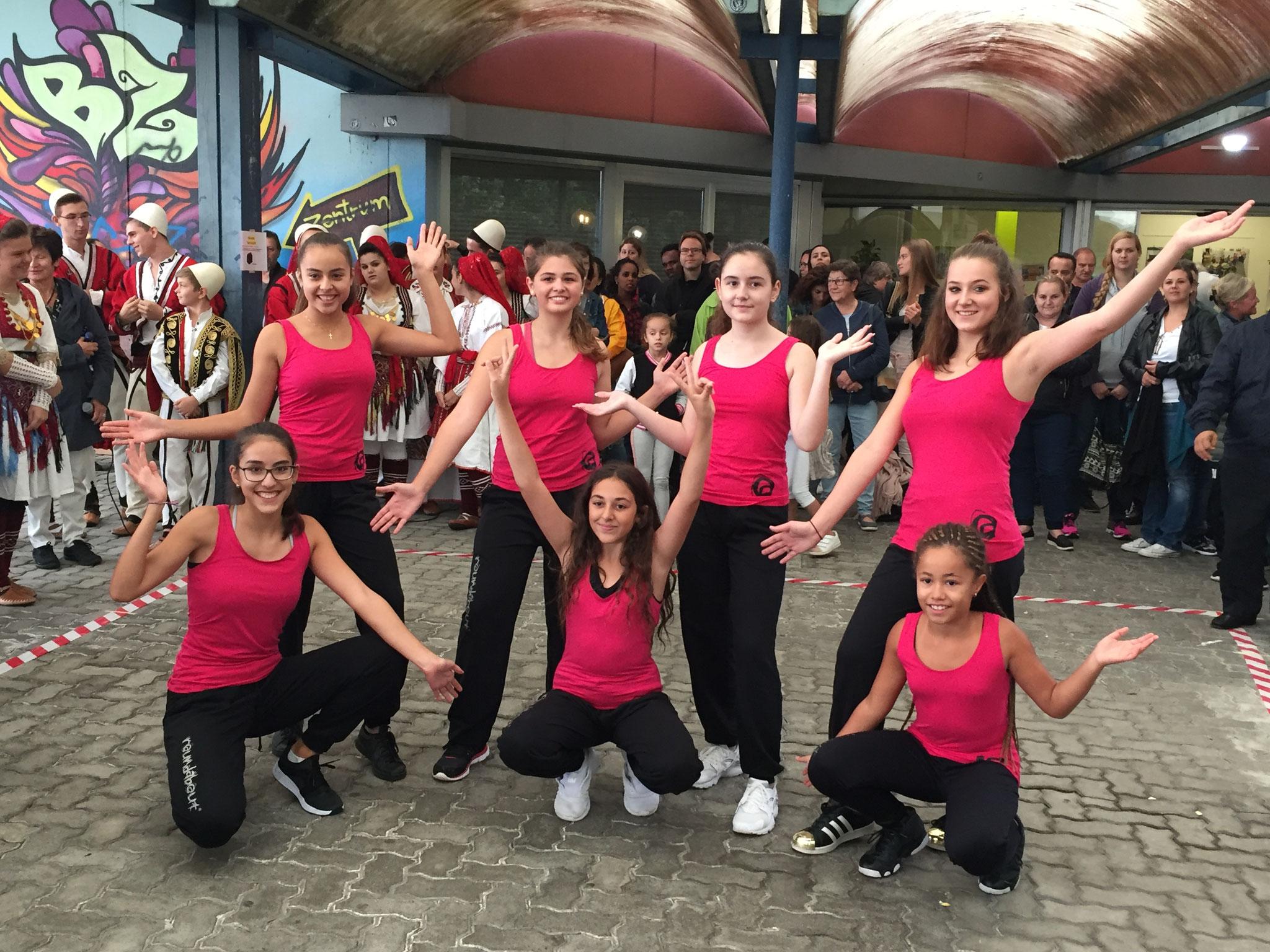 Samstag: Streetdance-Gruppe roundabout (Reformierte Kirche Regensdorf)