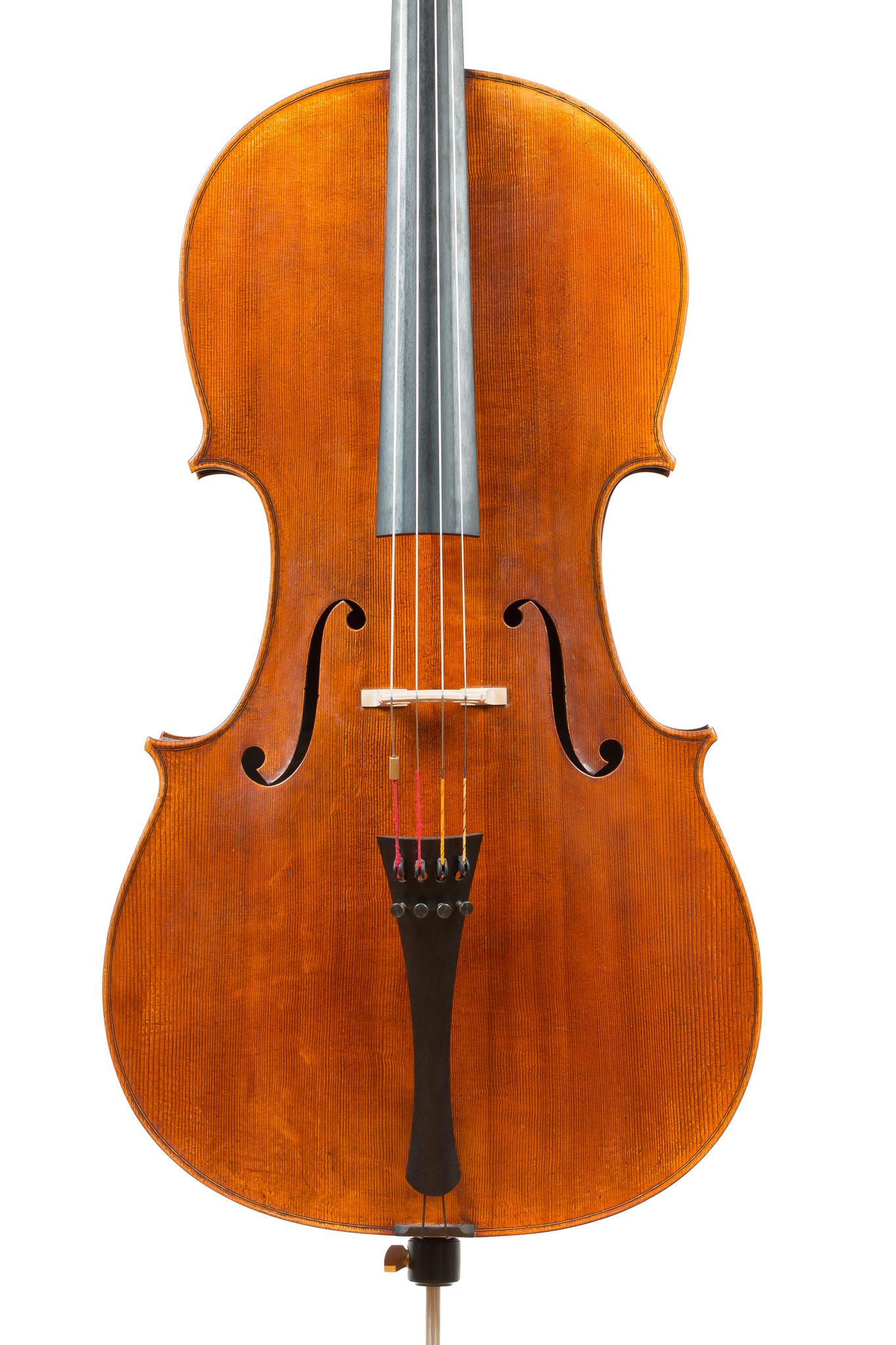 "Violoncello after Antonio Stradivari Forma B piccola ""ex-Feuermann"" (2012/CH), Photo: VDB Photography"
