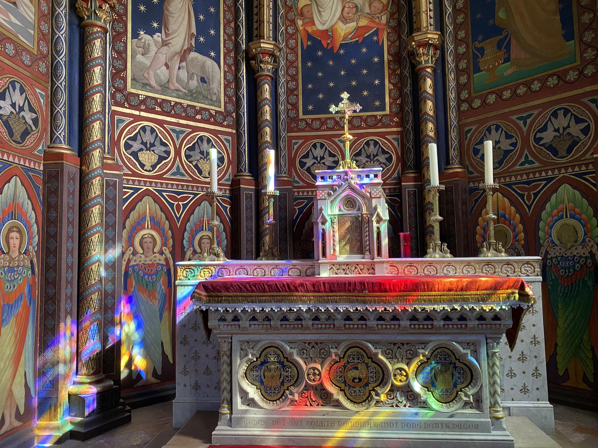 Clic pour accès à: Cathédrale Lumière