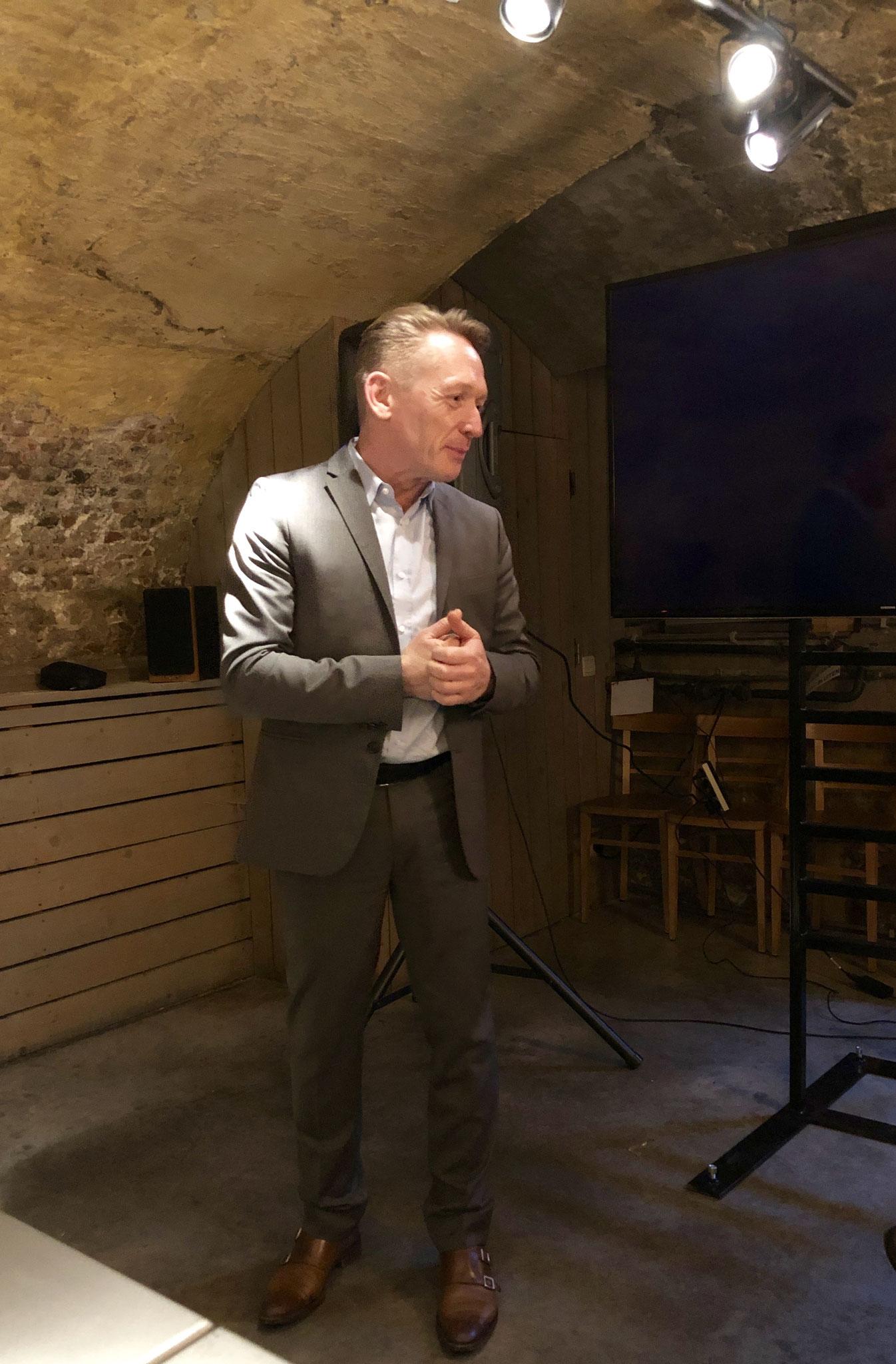 Stefaan D'Hondt introduceert wijnbouwer Torres
