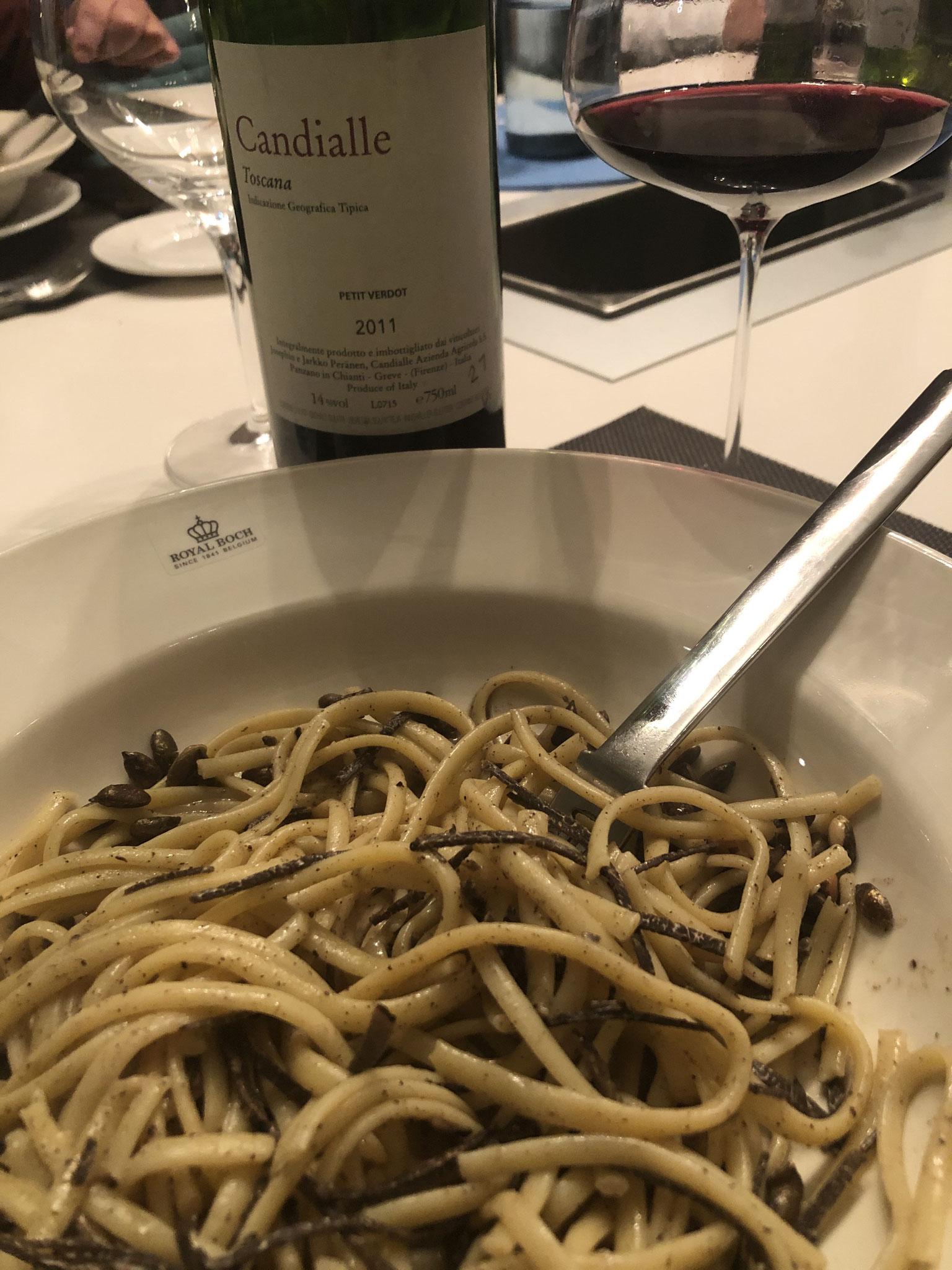 Pasta met verse truffel vraagt om een Italiaanse schone.
