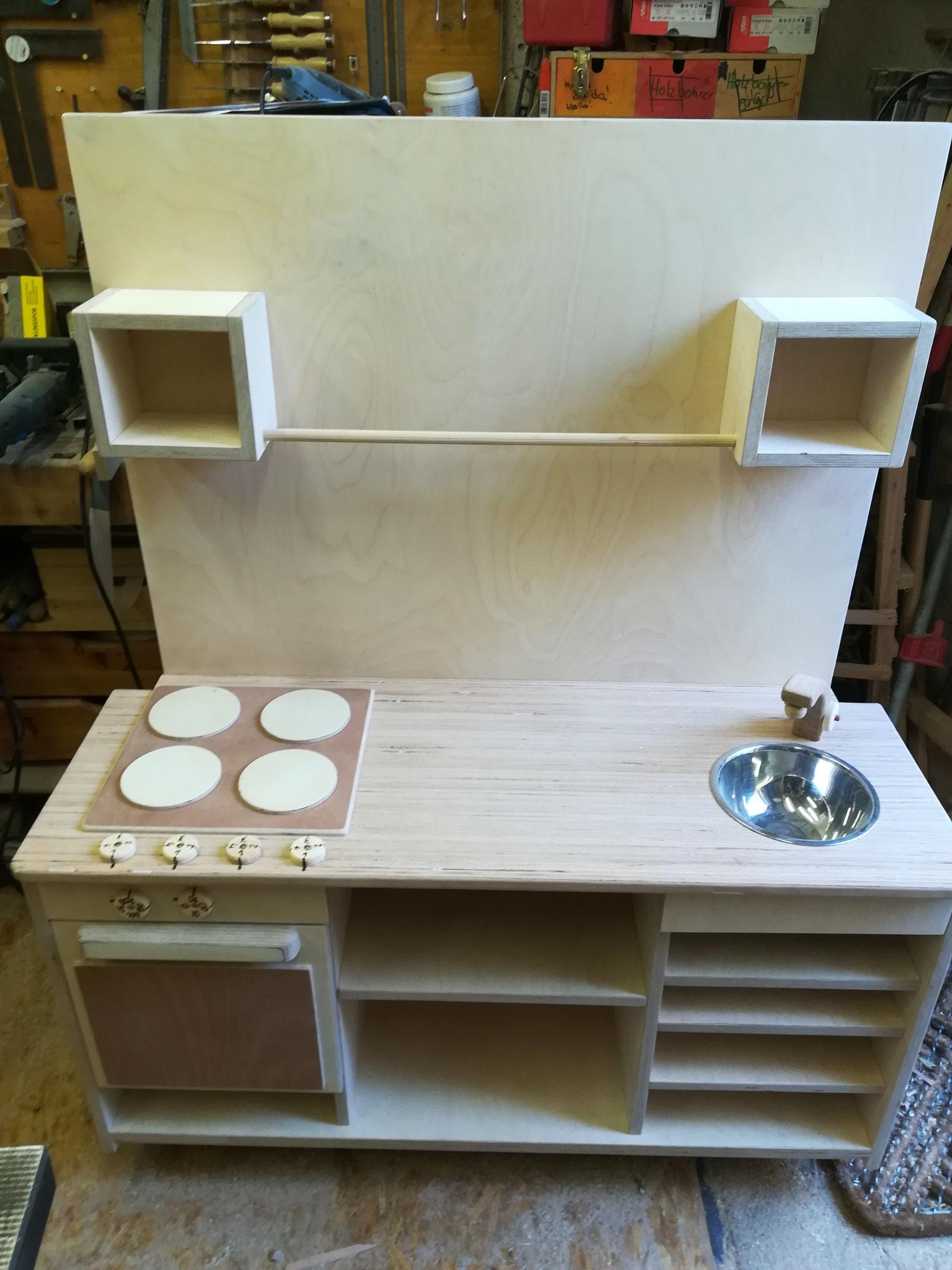 Küche mit Rückwand