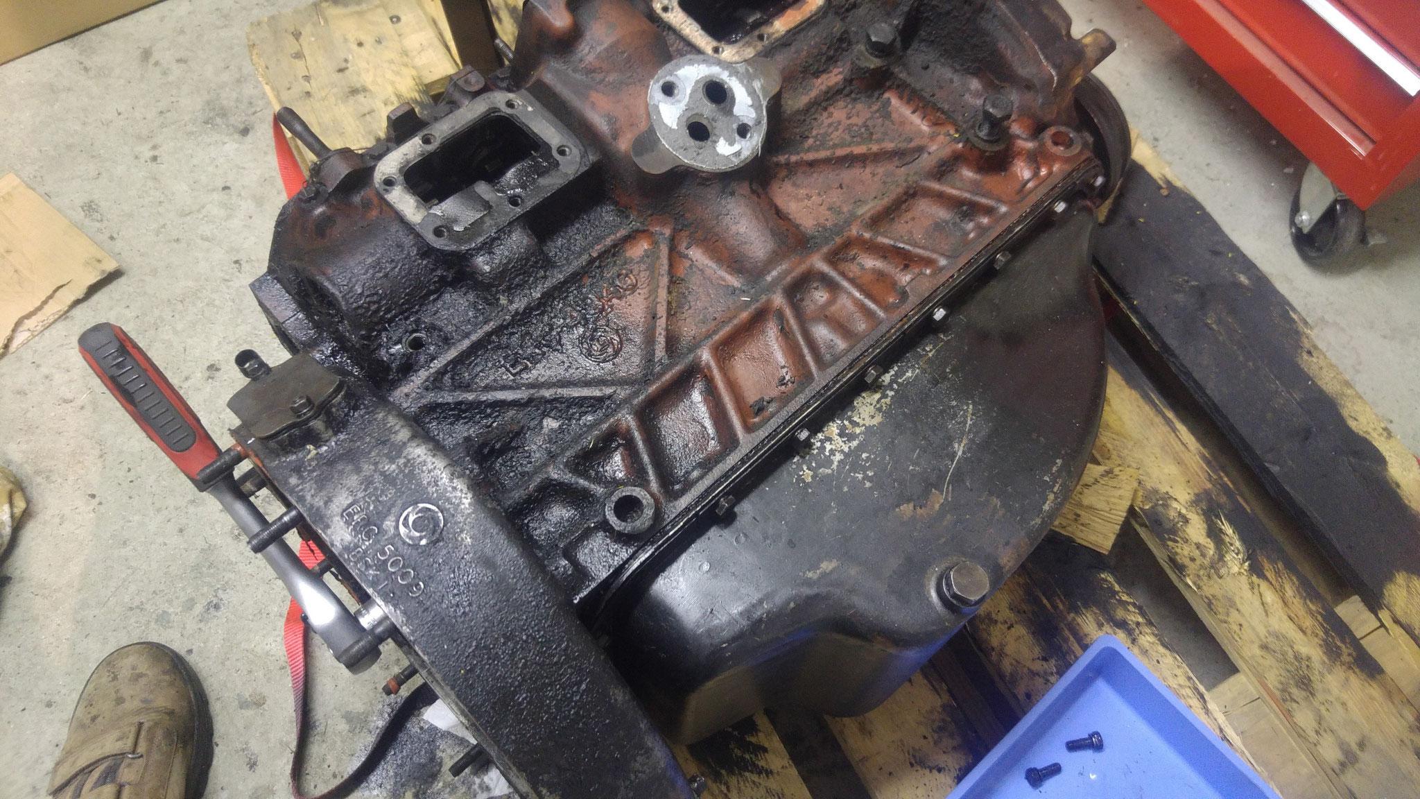 Ungewöhnlich Automotor Beschriftet Ideen - Schaltplan Serie Circuit ...
