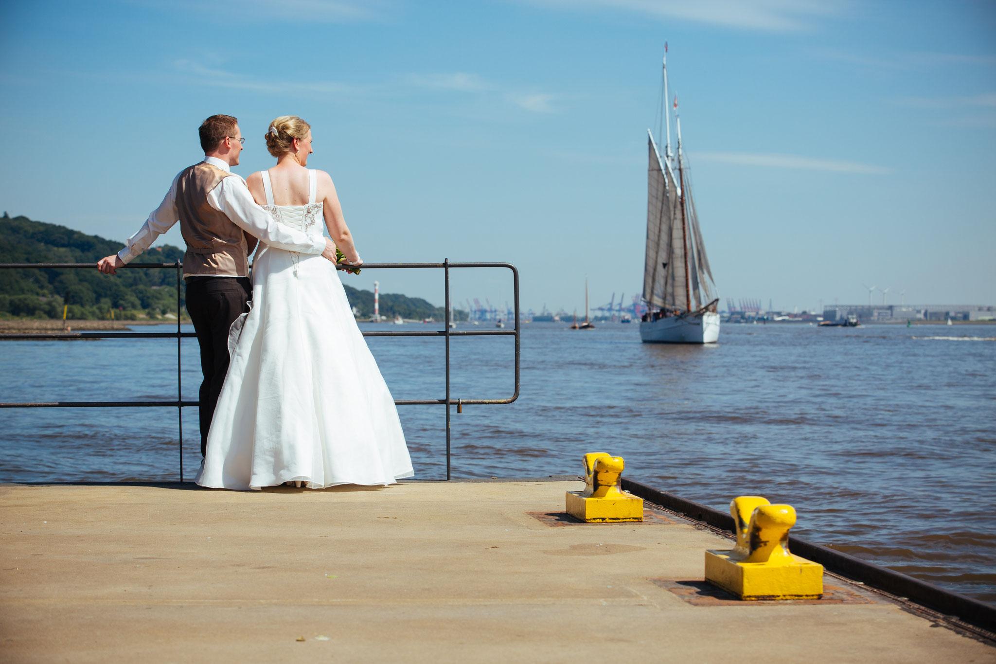 Hochzeitsreise mit dem Traditionssegler?