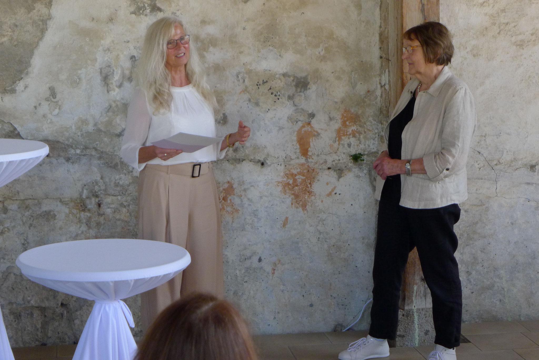 Preisübergabe an Gerda Bier