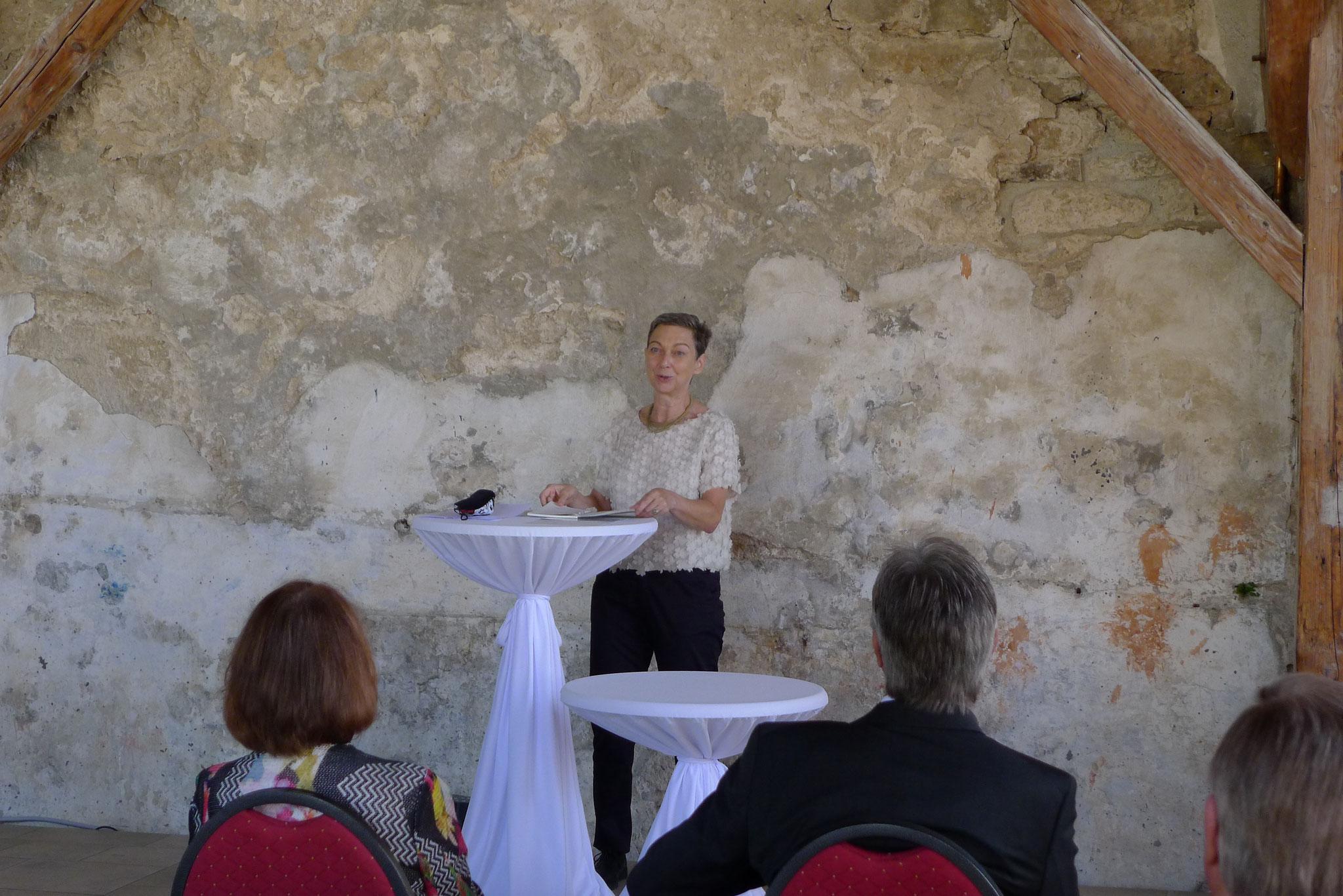 Frau Dr. Susann Matthis spricht für die WERNER GRUND STIFTUNG