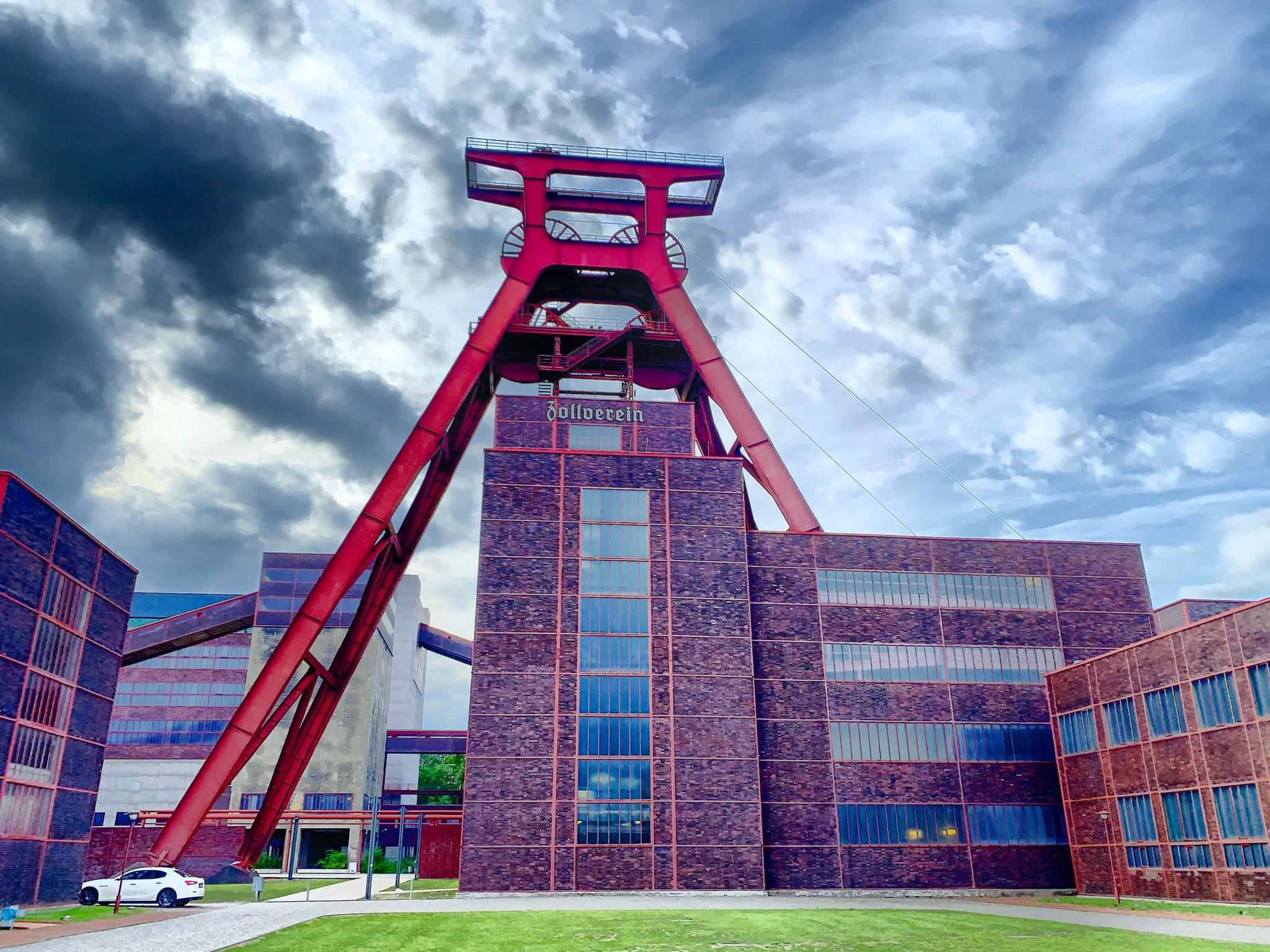 Förderturm von Zeche Zollverein, das Ruhrmuseum ist auch auf diesem Gelände