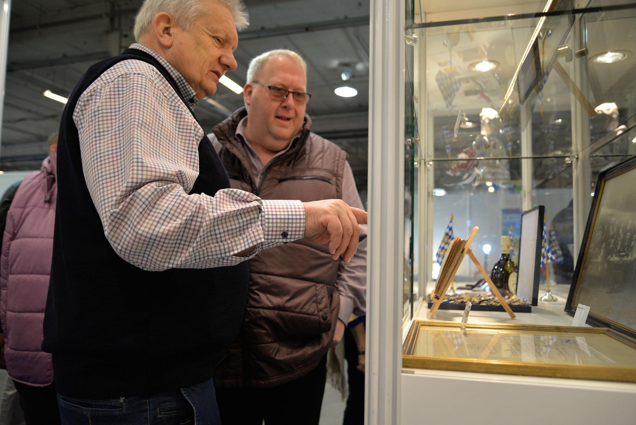 Auch Besucher aus Deutschland waren nach Nieuwegein gekommen, wie Michael Koch aus dem Präsidium des Deutschen Brieftaubenverbandes.