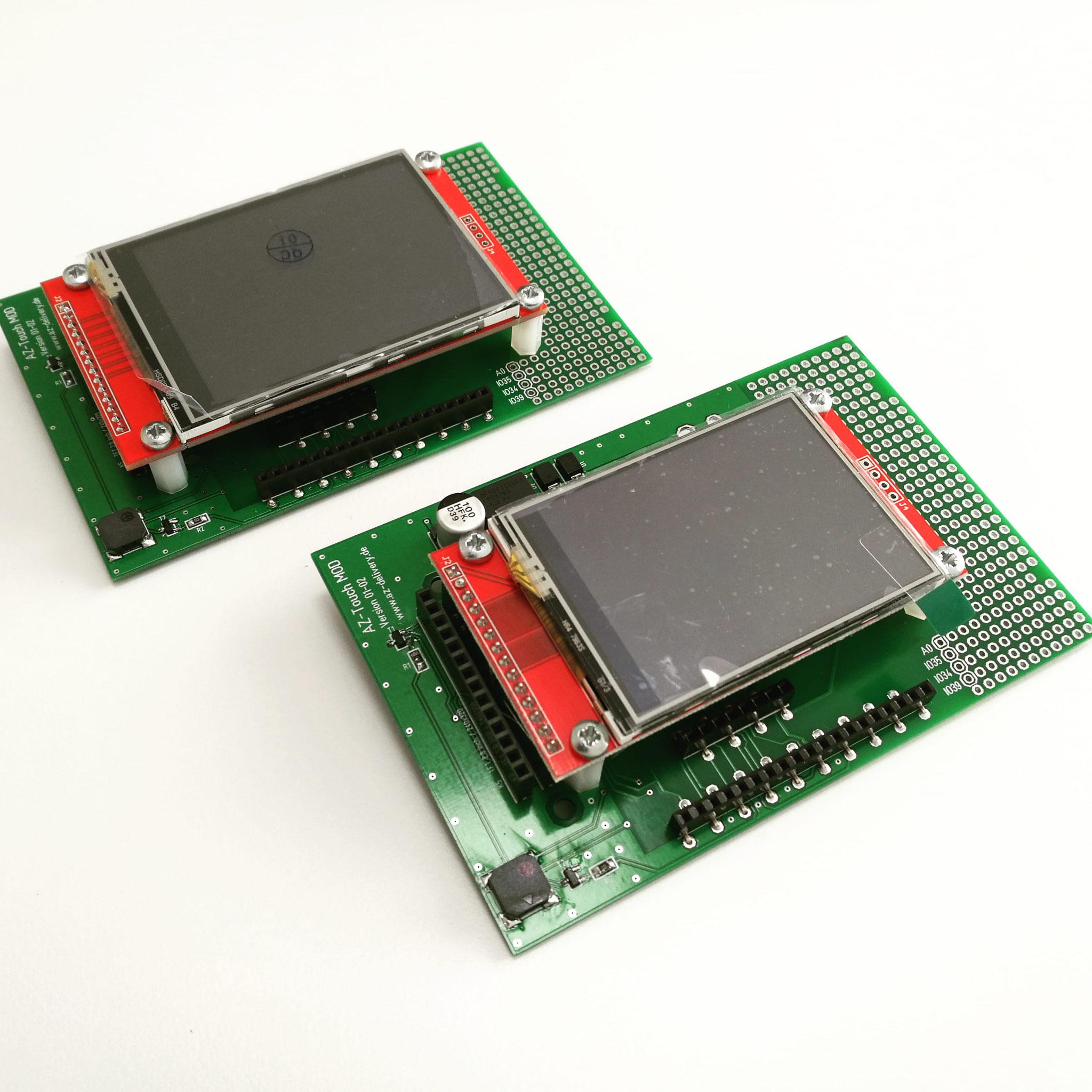 """Größenvergleich Displays 2.8"""" (links) und 2.4"""" (rechts)"""