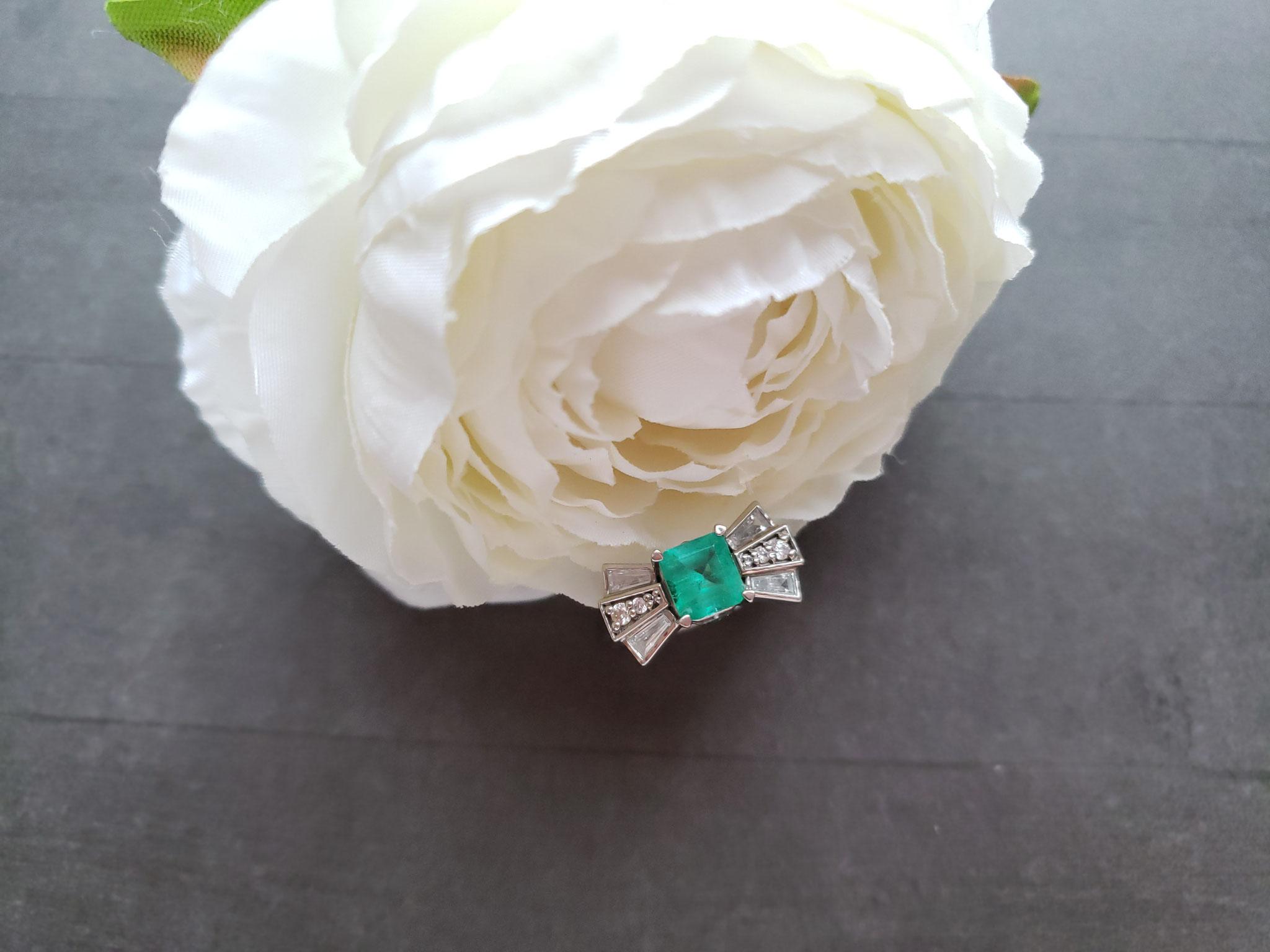 art deco emerald ring in palladium