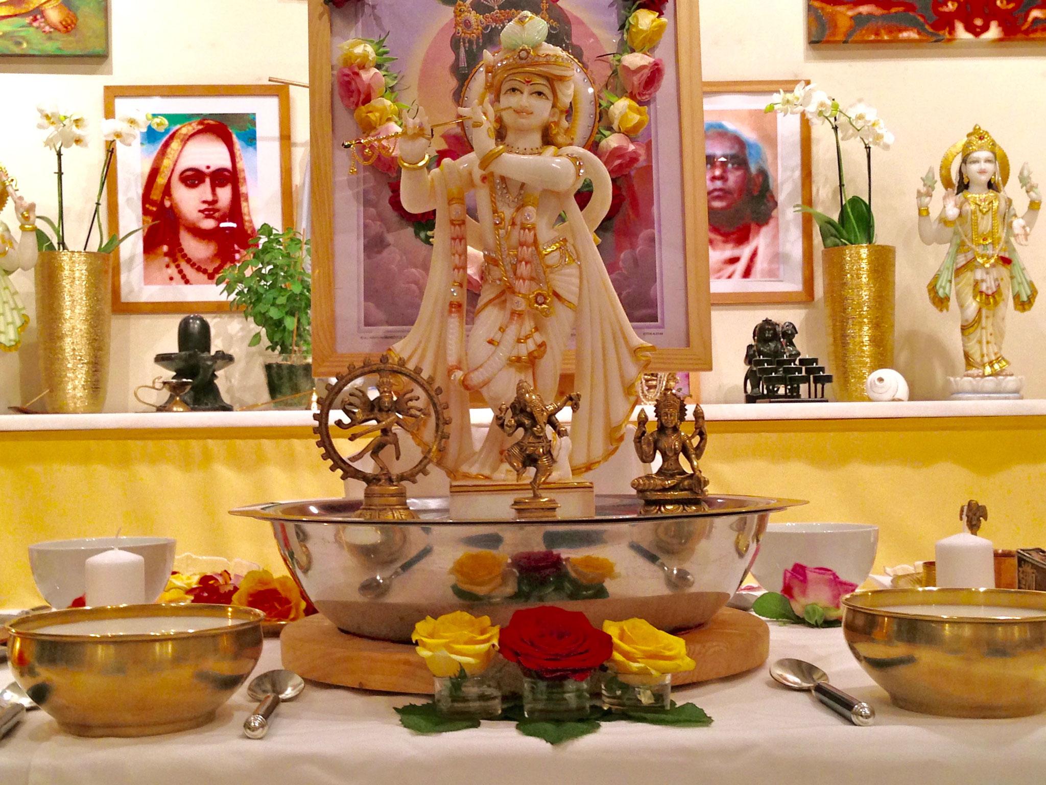 Krishna Jayanati (Erscheinungstag von Krishna) bei Yoga Vidya Bad Meinberg