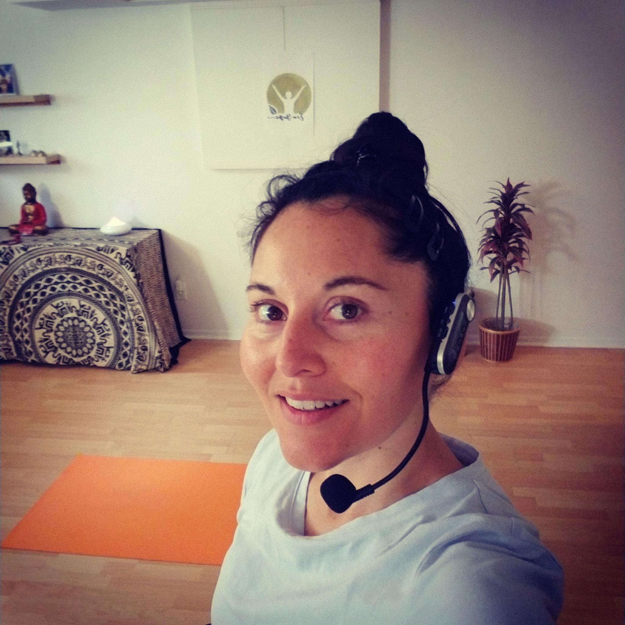 Cours de yoga en direct sur zoom