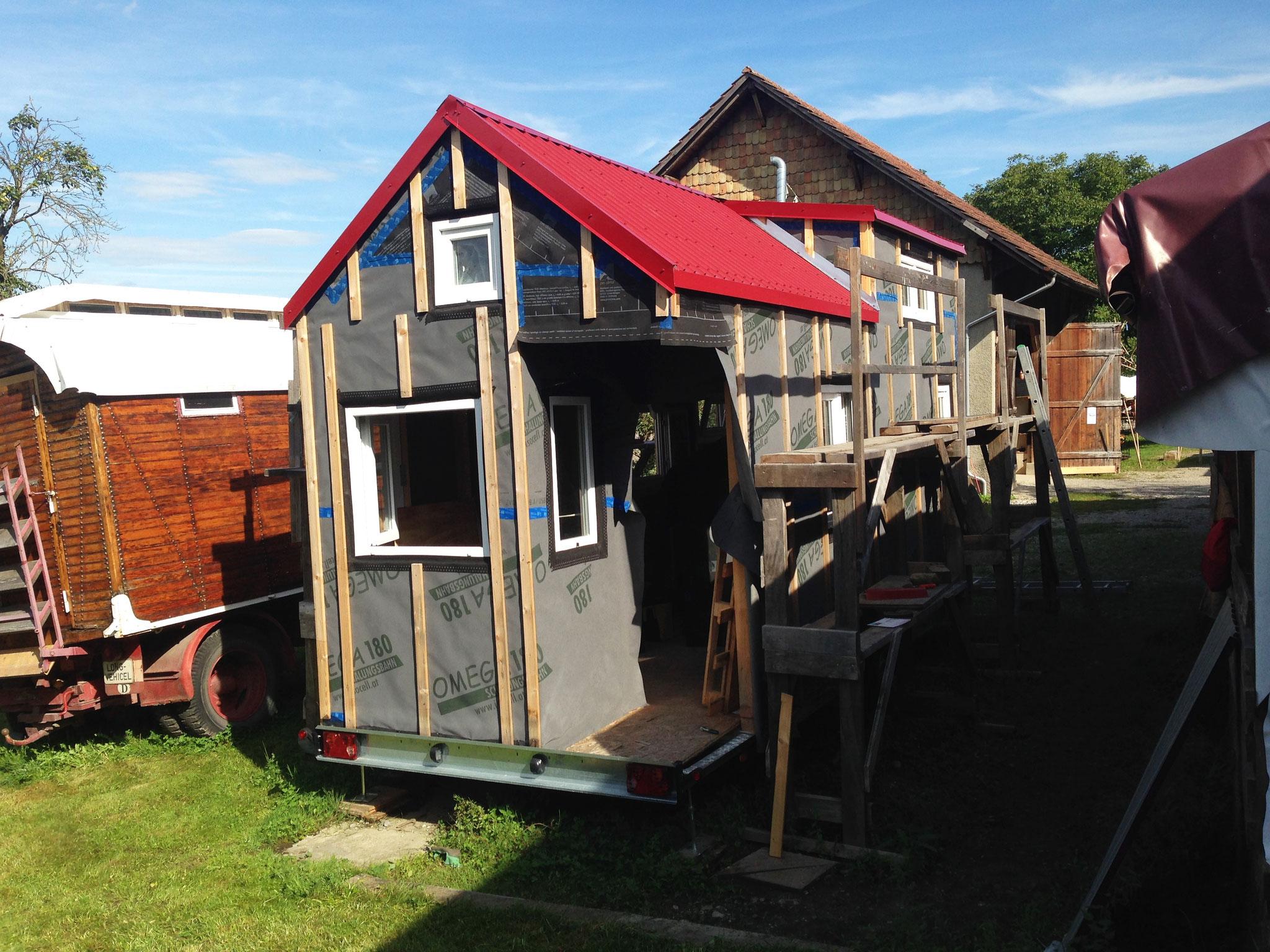 herzlich willkommen tiny house projekt schweiz. Black Bedroom Furniture Sets. Home Design Ideas