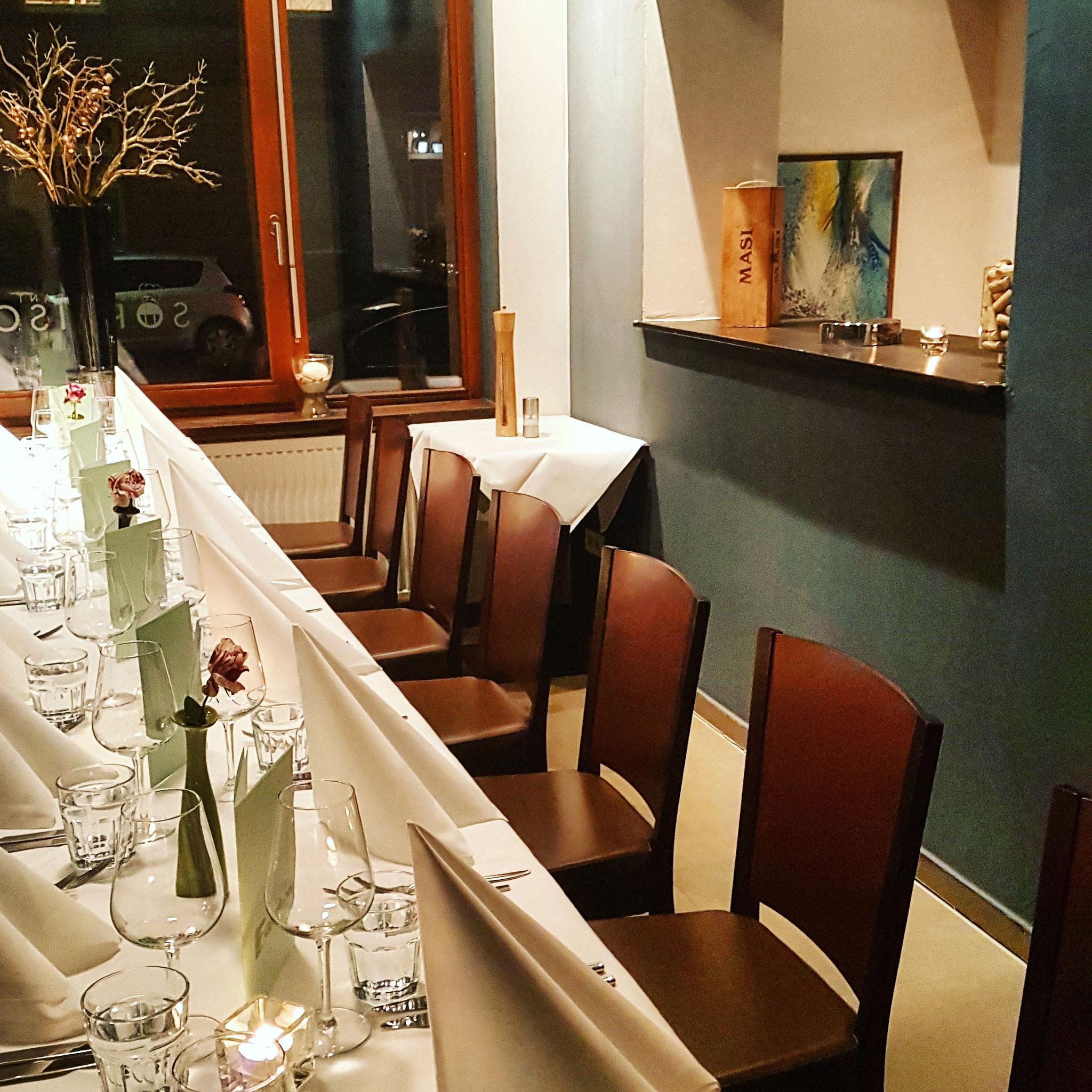 Mit unseren Räumlichkeiten bieten wir Platz für 48 Personen für die Familienfeier oder  Firmenevents
