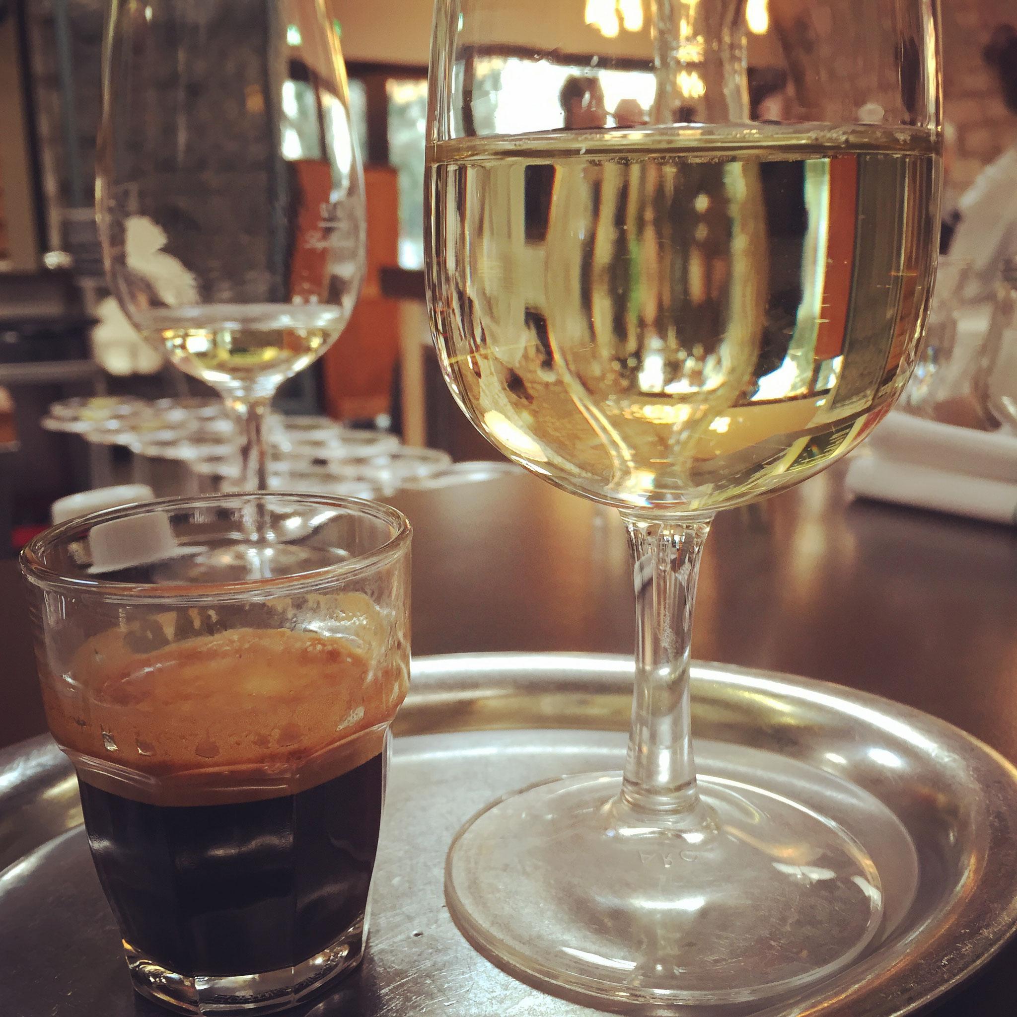 Espresso und Weissweinschorle@Markthalle - Zürich, Switzerland