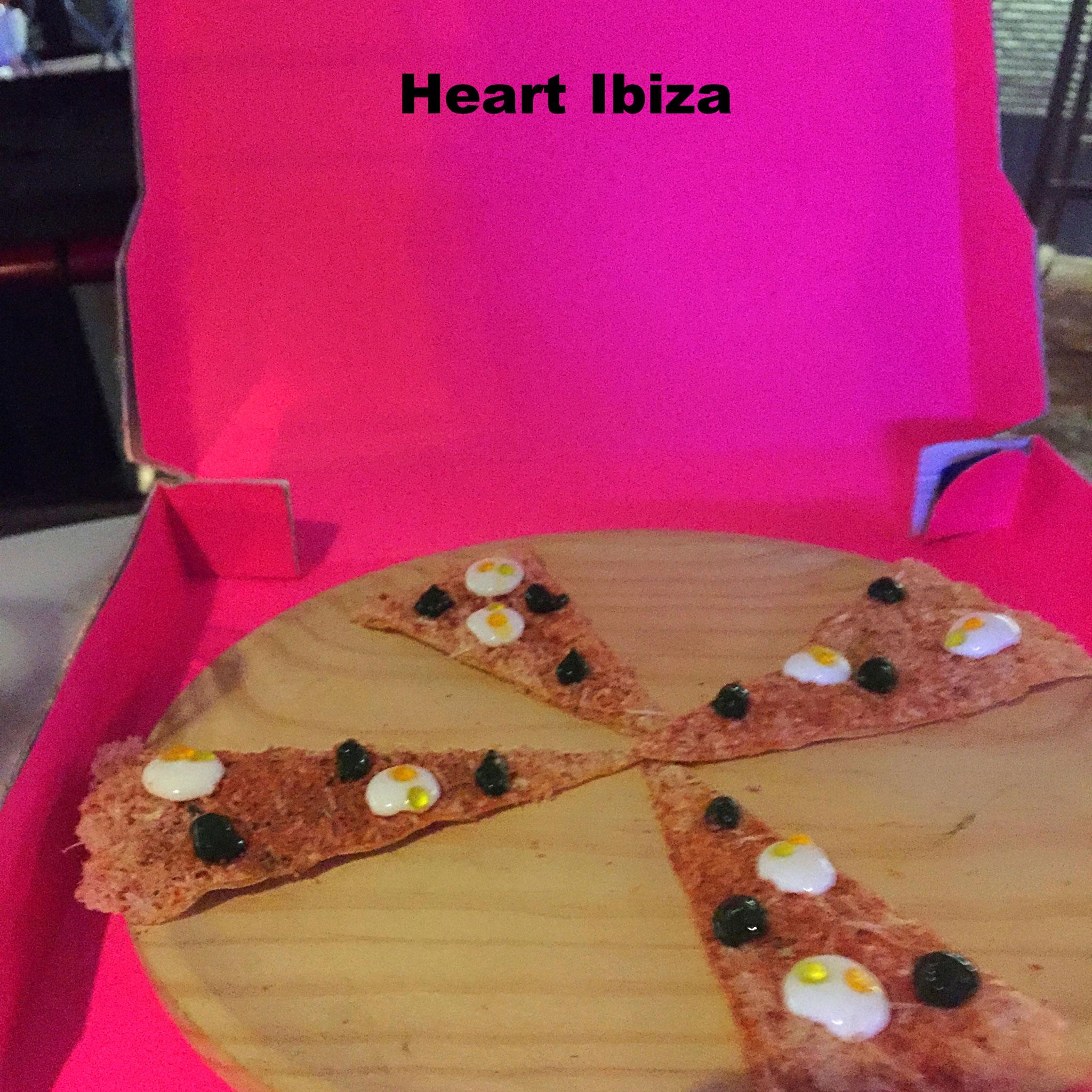 no-carb pizza@Heart, Ibiza