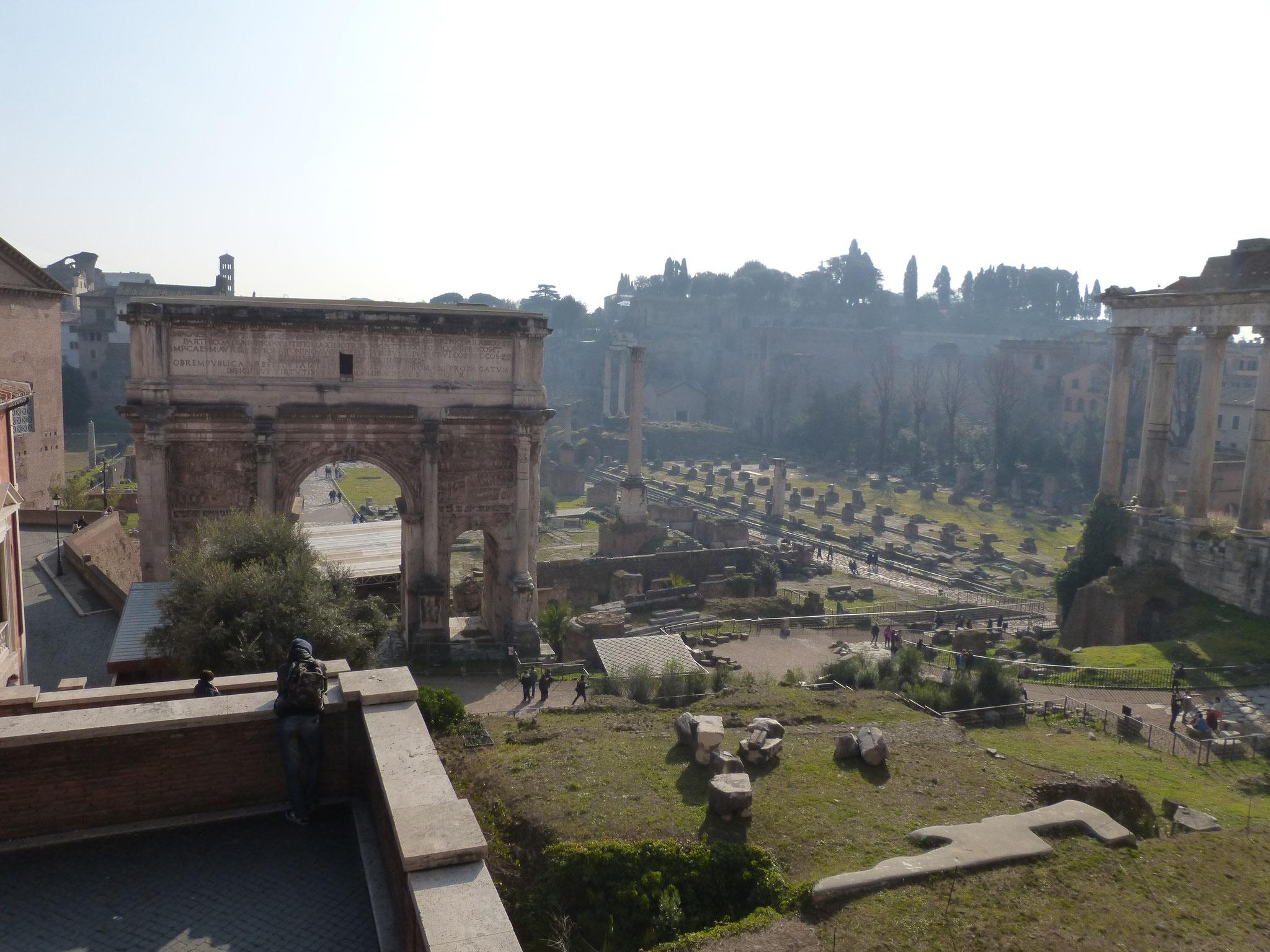 Ausblick auf das Forum Romanum.