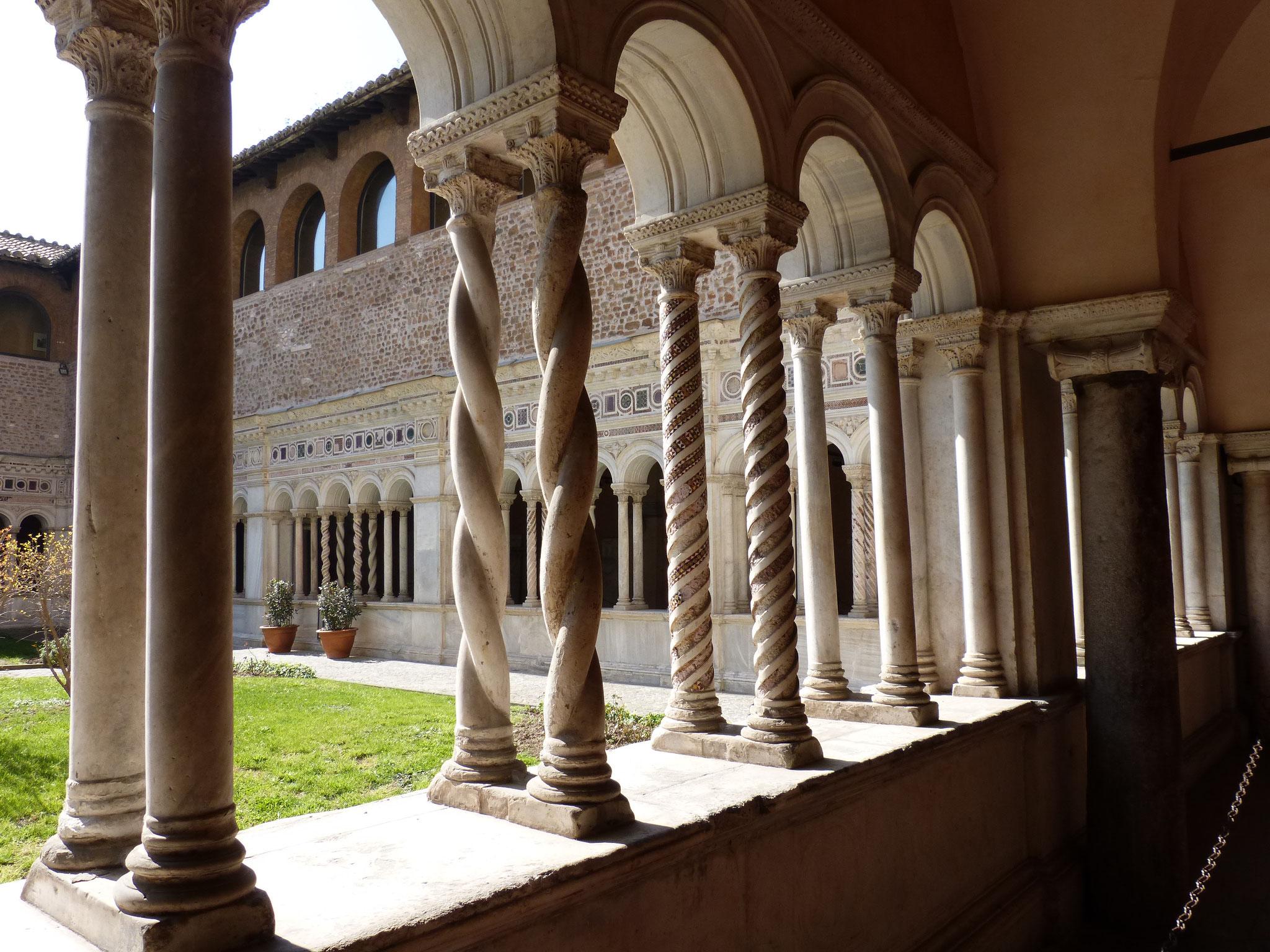 Der Kreuzgang der Basilika San Giovanni Laterano.