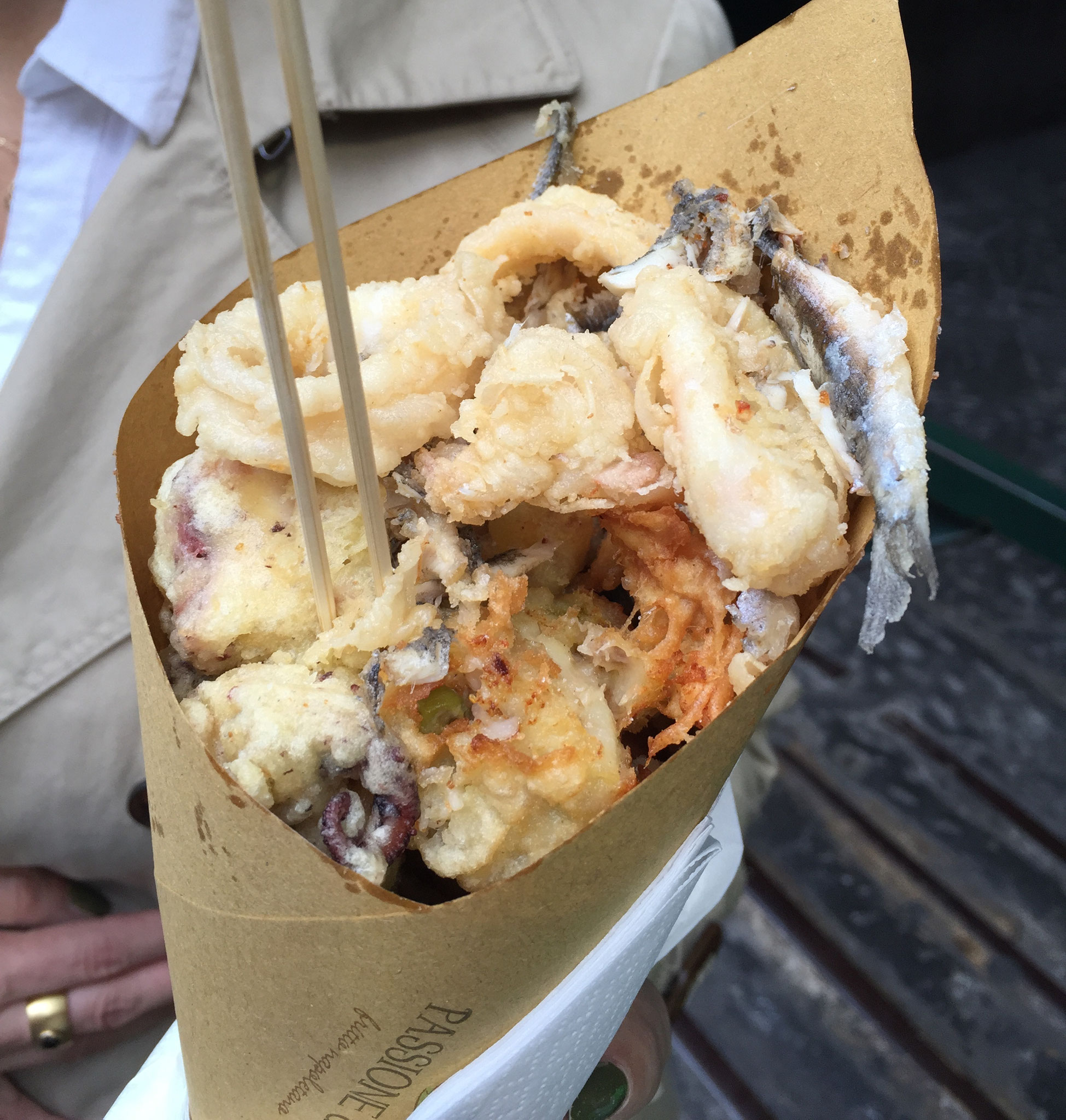 Keine leichte Sache! Dafür sind die Fritti in Neapel einfach köstlich.