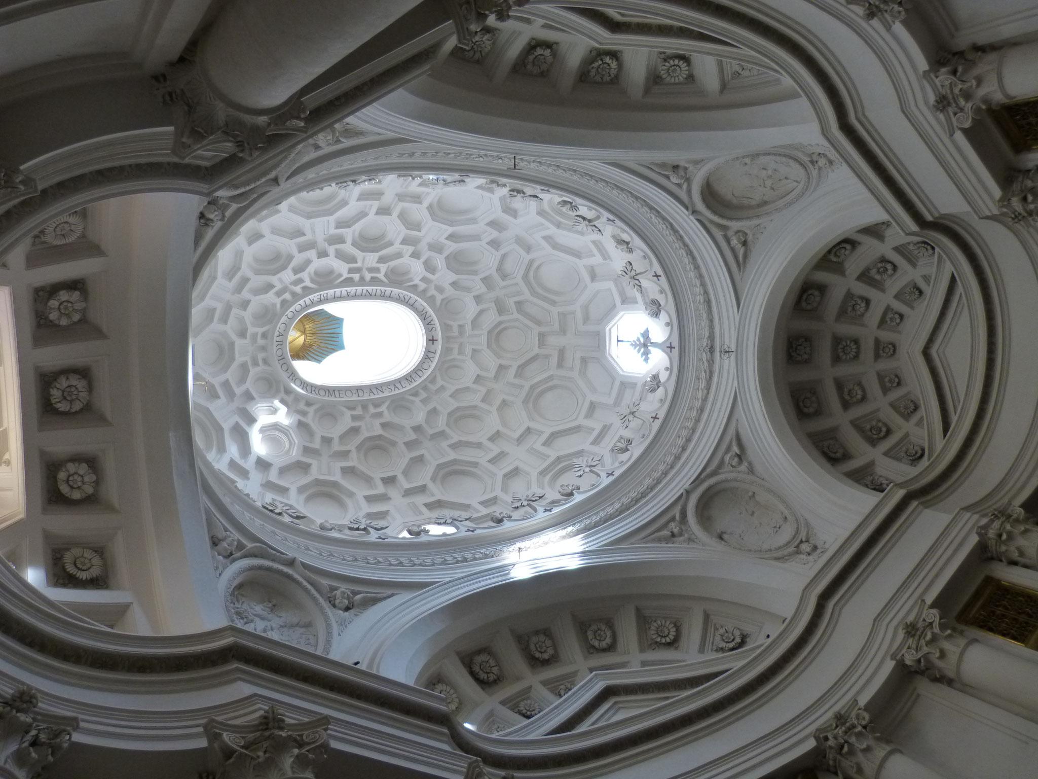 Sehenswerte Kuppel der Chiesa S. Carlino alle quattro Fontane