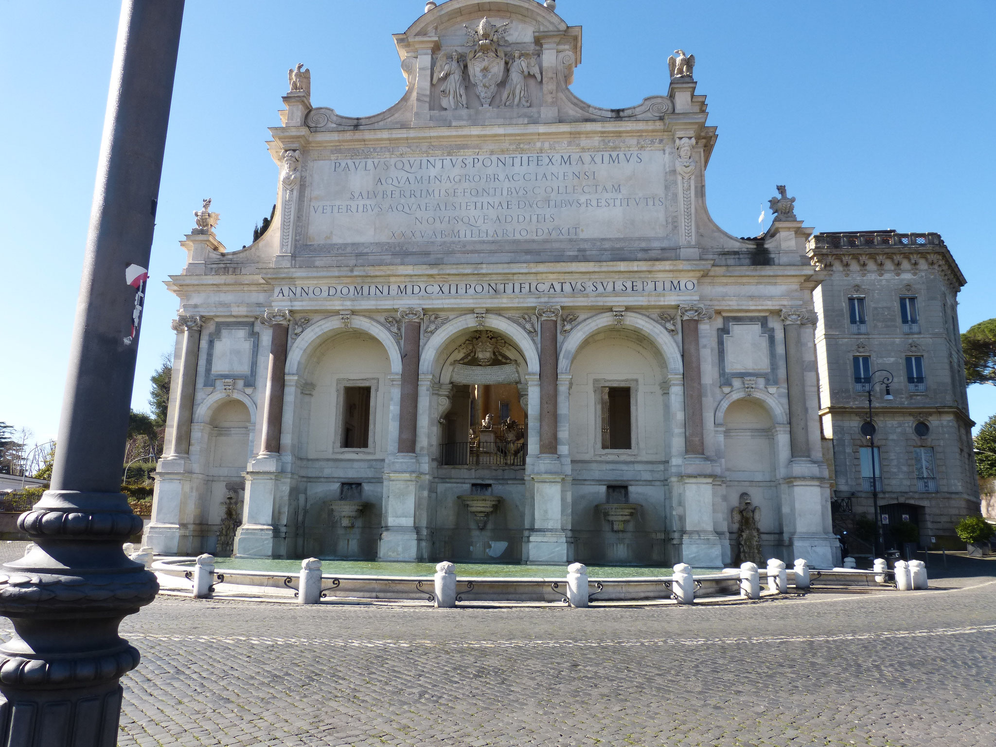 """Die Fontana Paola spielt eine Rolle im Oscar gekrönten Film """"La Grande Bellezza"""". Der barocke Brunnen steht auf dem Gianicolo."""