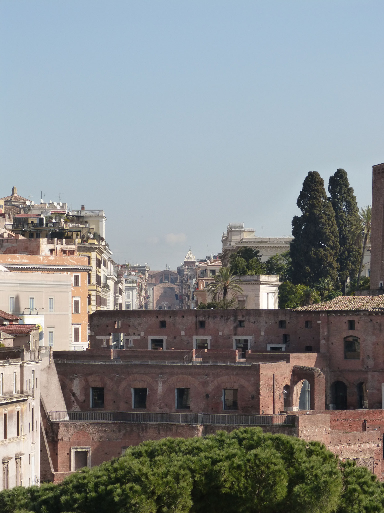 Ausblick auf die Via Nazionale, an deren Ende man die Diokletian-Therme erkennt