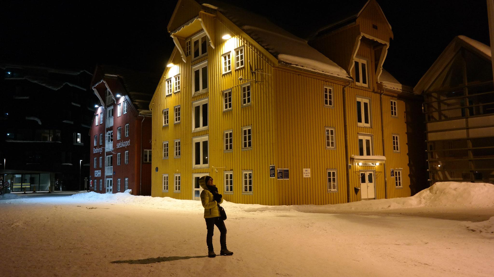 Tromsö Norwegen um Mitternacht