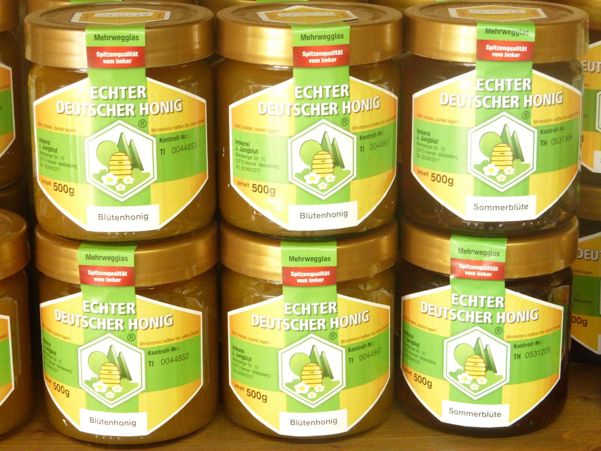 Im Jahr ernten wir 3 - 4 verschiedene Sorten Honig