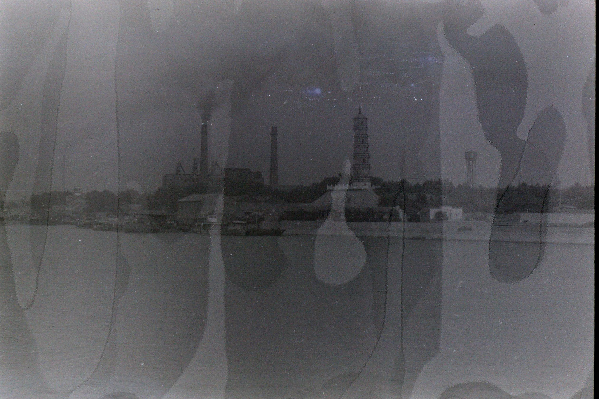 7/8/1989: 3: Jiujiang pagoda and power station