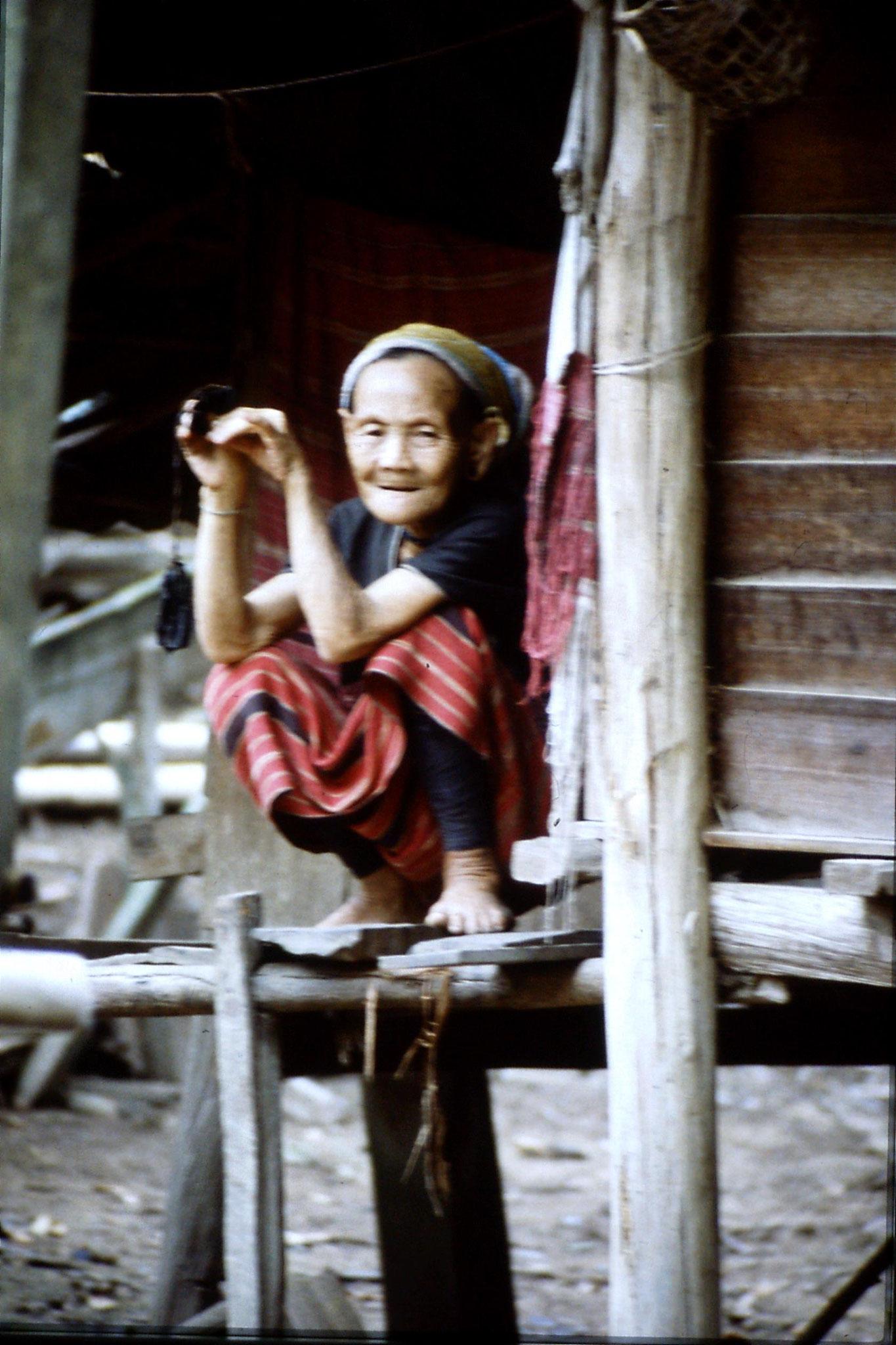 12/6/1990: 0: Trek - Mae Mi village (Karen)