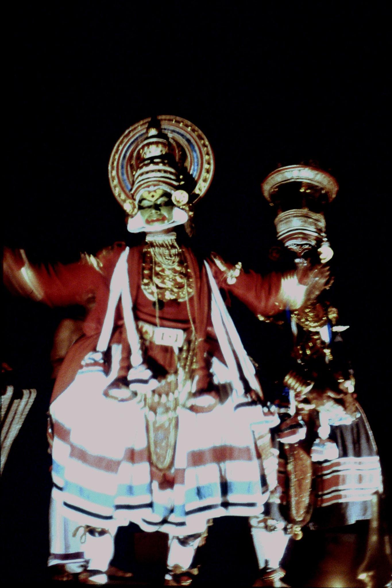 106/25: 24/2/1990 Erkunaculum - See India Foundation - Kathakali Dance