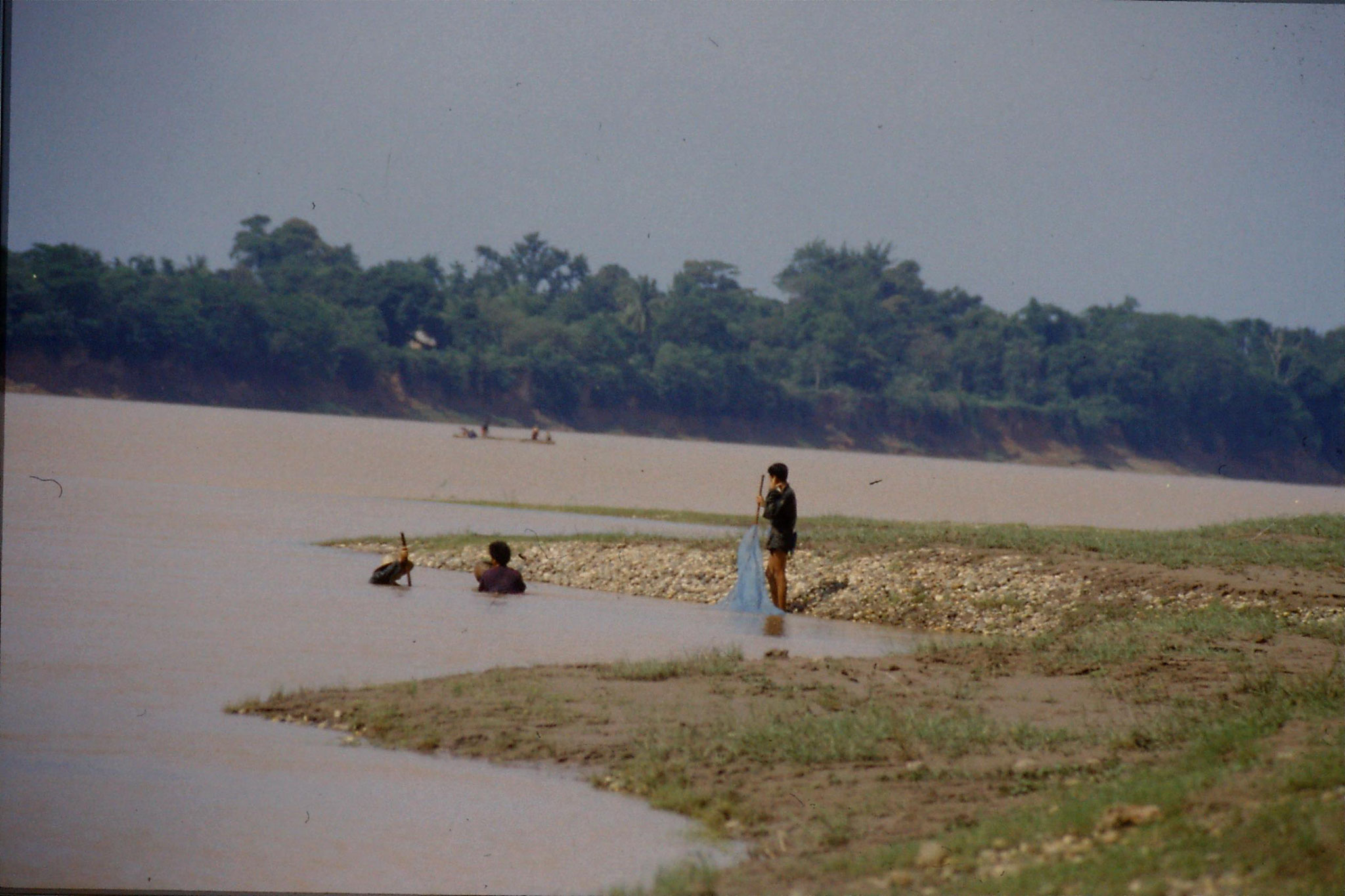 30/5/1990: 26: east of Nong Khai, Mekong river