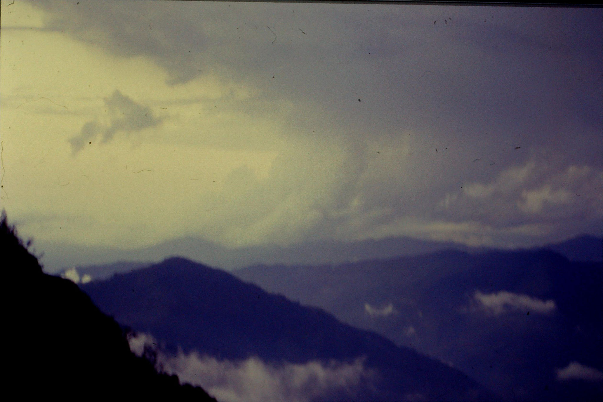 5/5/1990: 8: view over Nepal at sunset