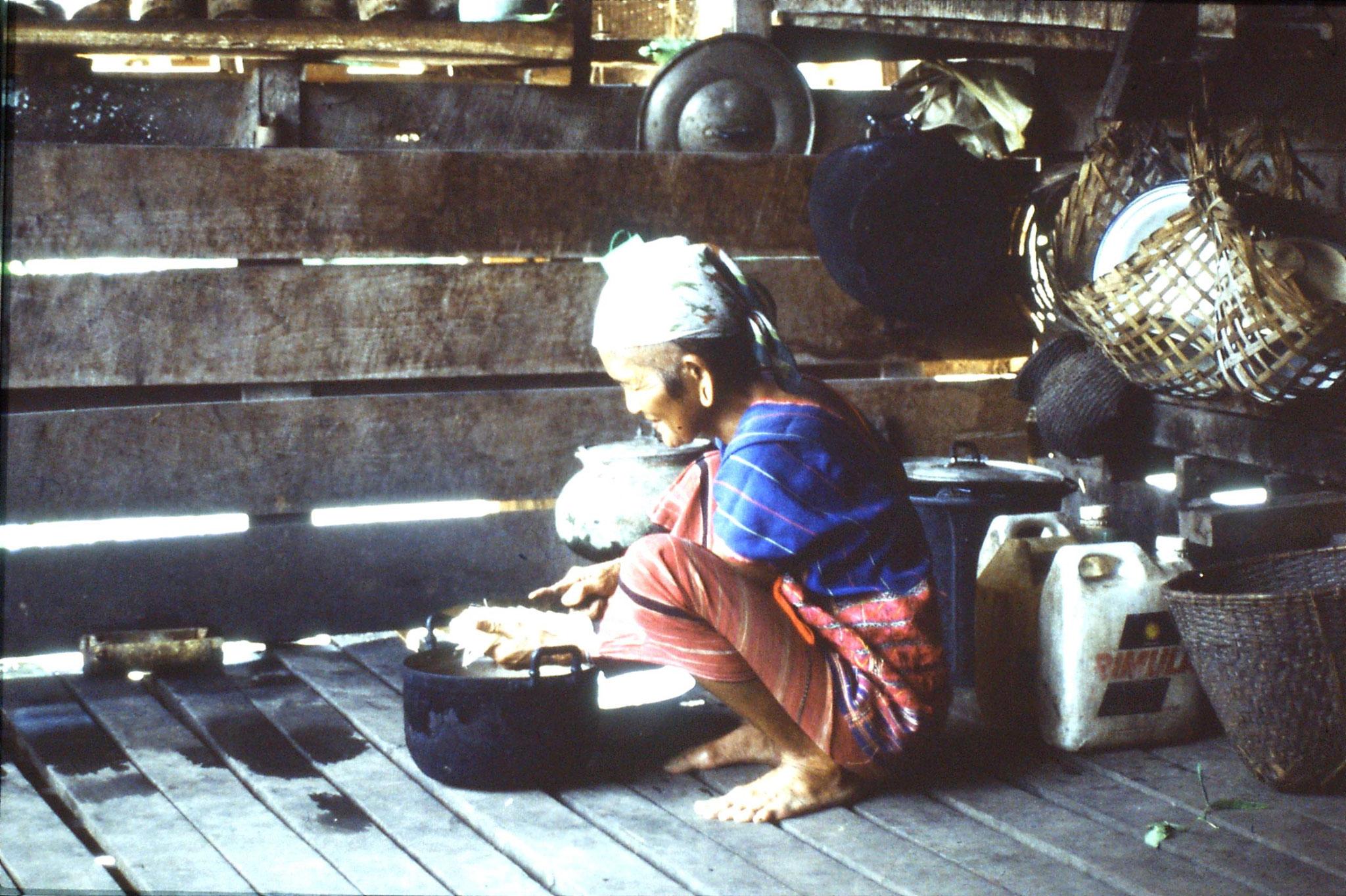12/6/1990: 22: Trek - Hue Kom Karen village, chopping bamboo shoots