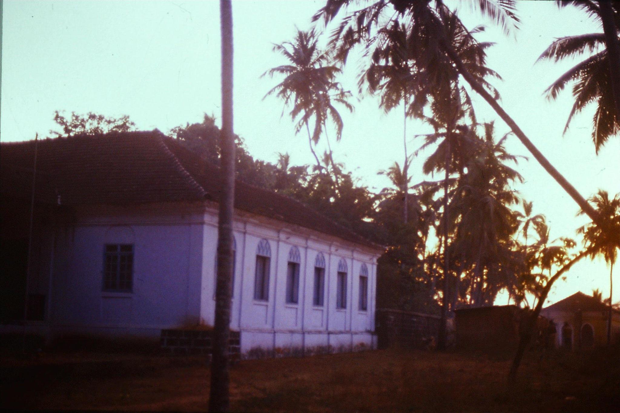 4/1/1990: 0: Goa Candolim sunset over Rodriguez house