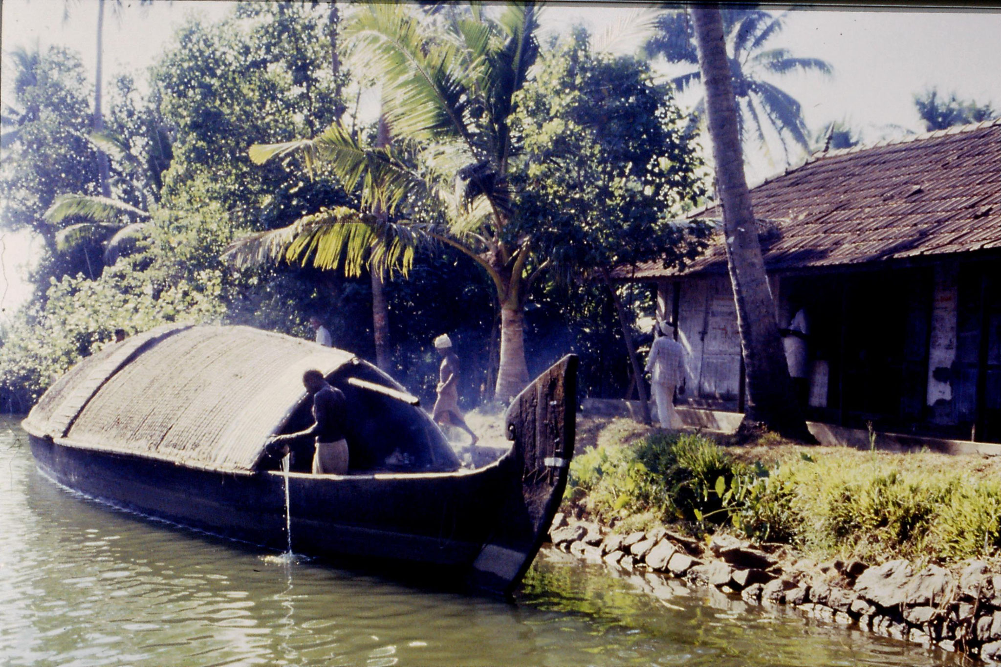 106/5: 23/2/1990 Boat to Alleppey