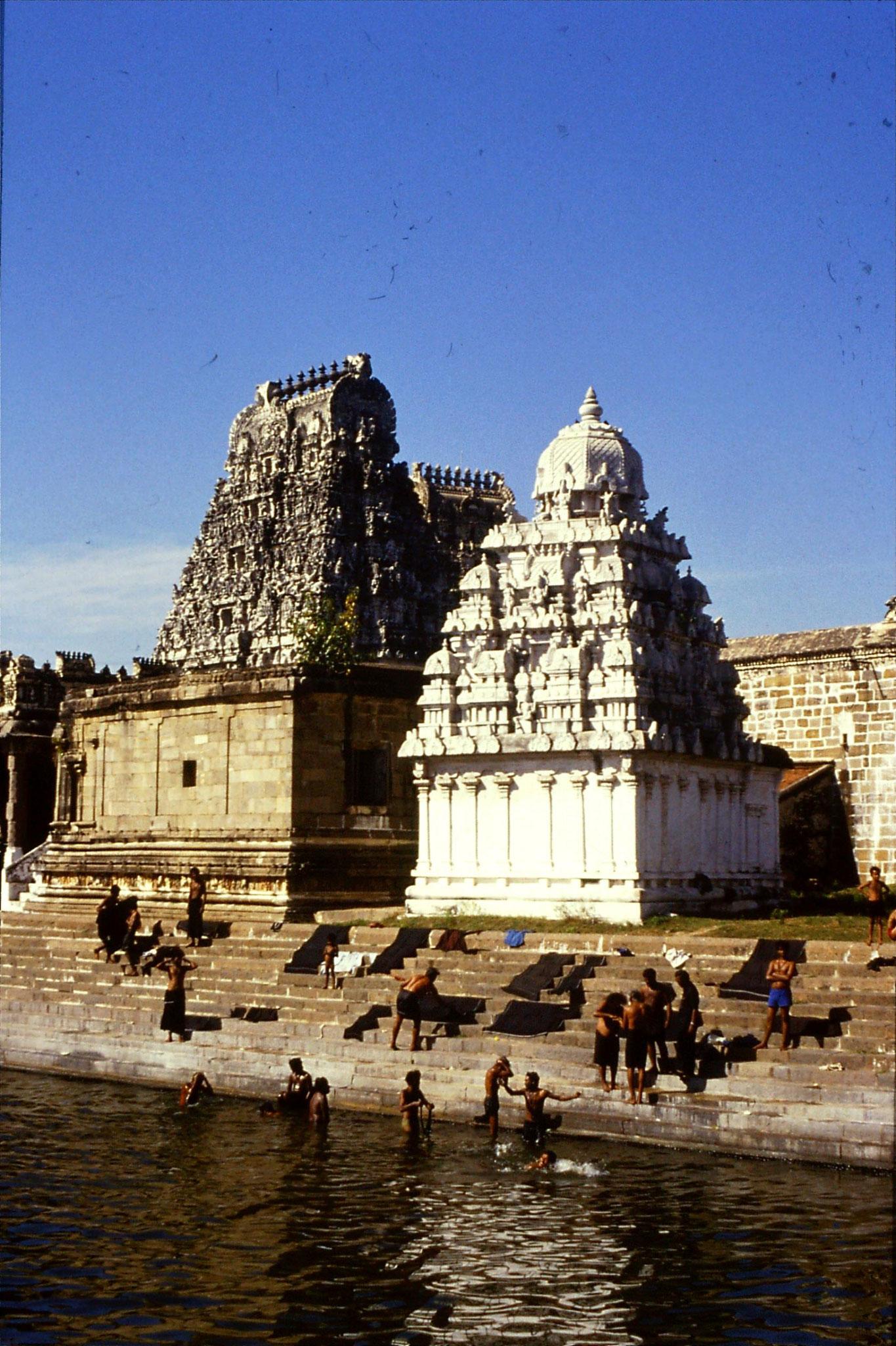 19/1/1990: 13: Kanchipuram, pilgrims